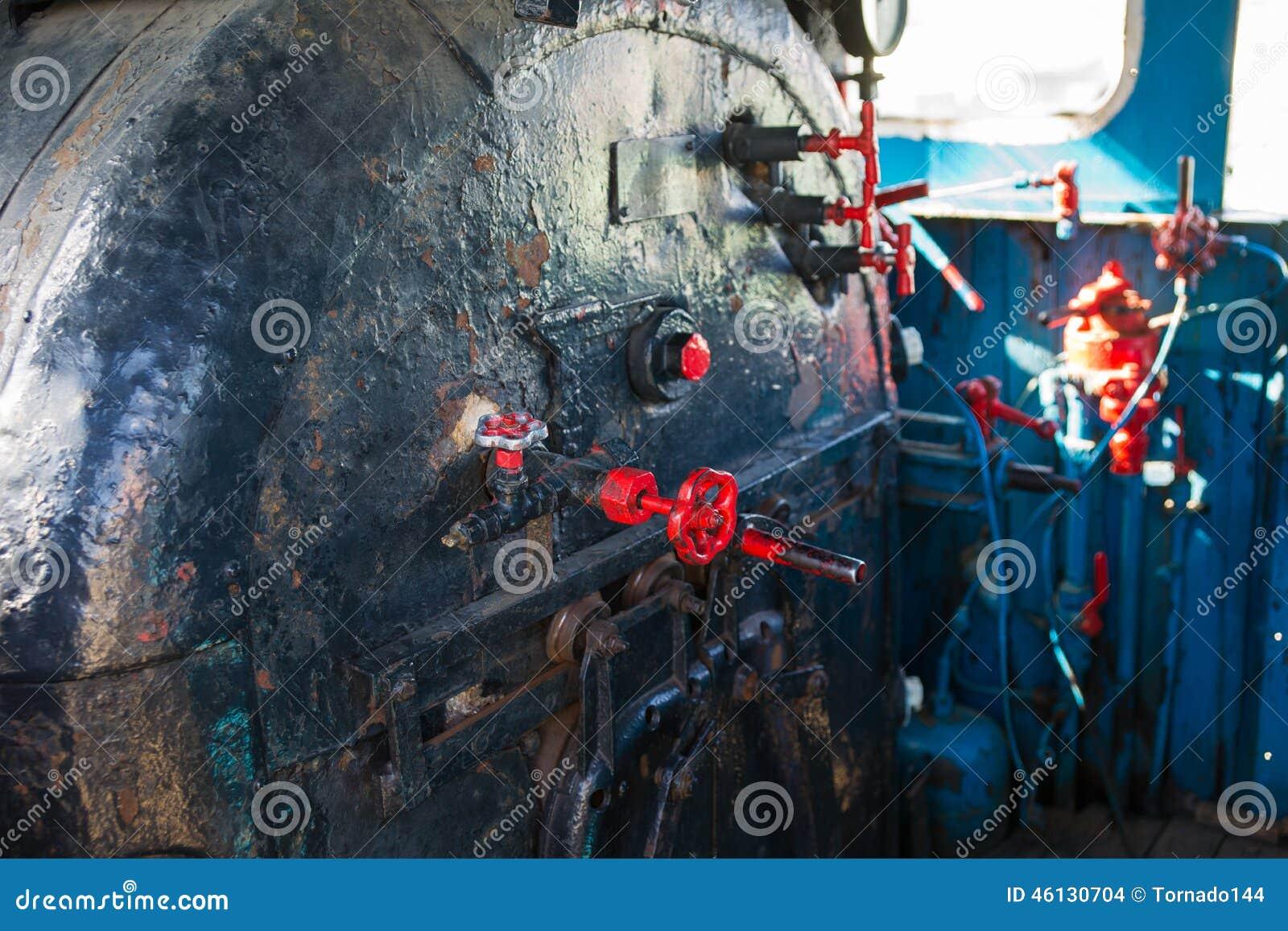 Interno di una cabina carrozza di vecchia locomotiva a for All interno di una cabina