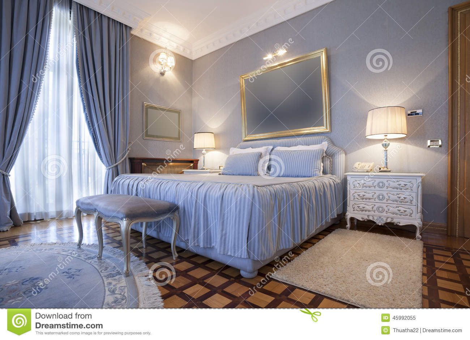Interni Villa Di Lusso : Interno di una camera da letto classica di stile in villa di lusso
