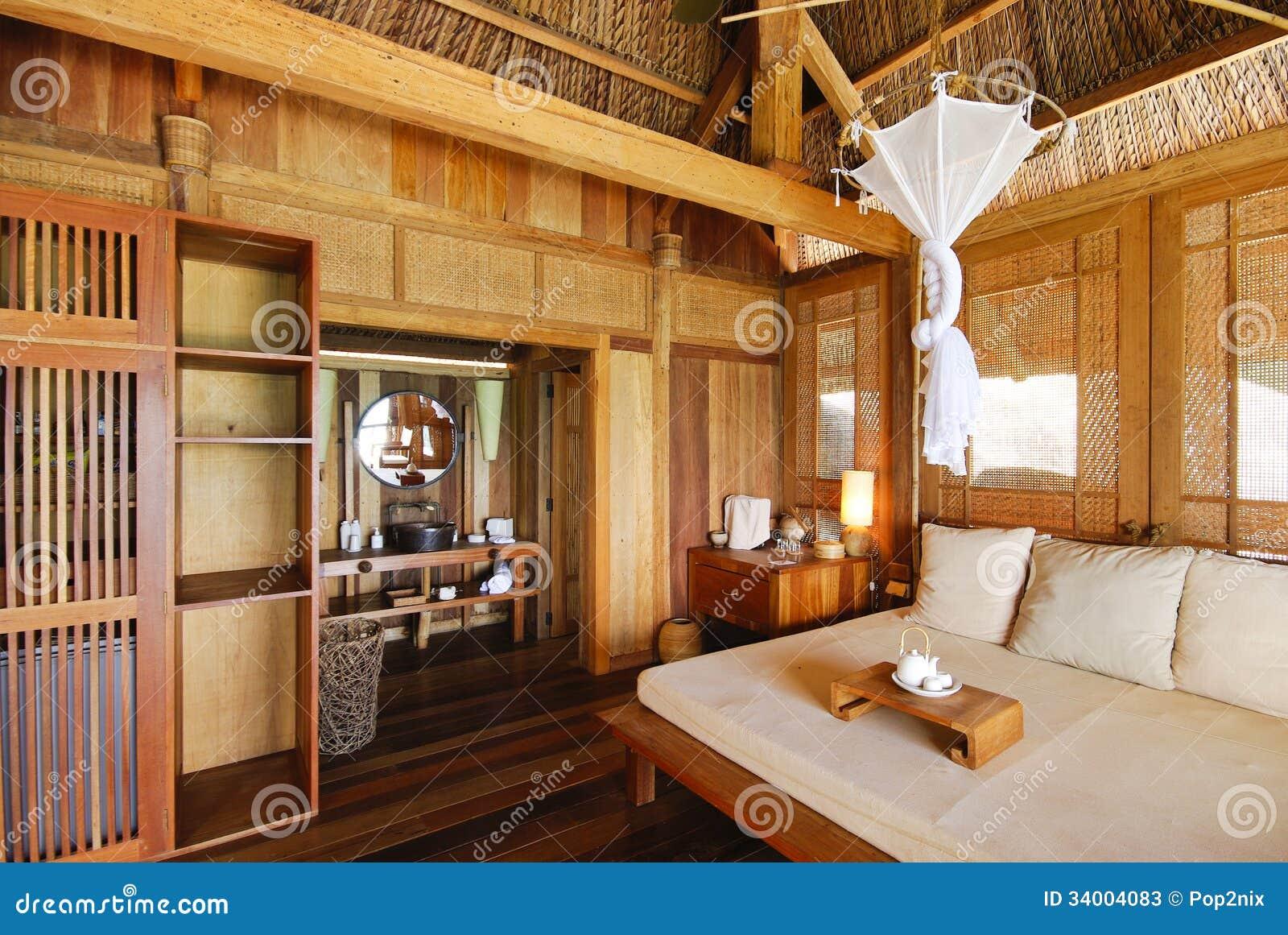 Interno di una casa di legno immagine stock immagine di for Interno di una casa