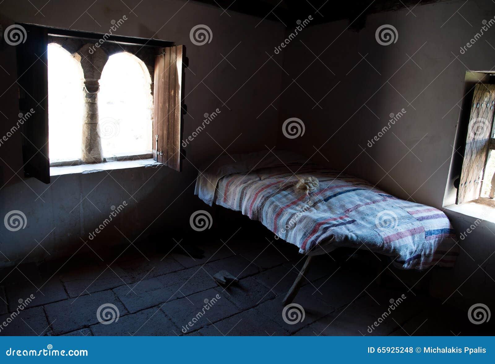 Camere Da Letto Tradizionali : Interno di vecchia camera da letto tradizionale della casa