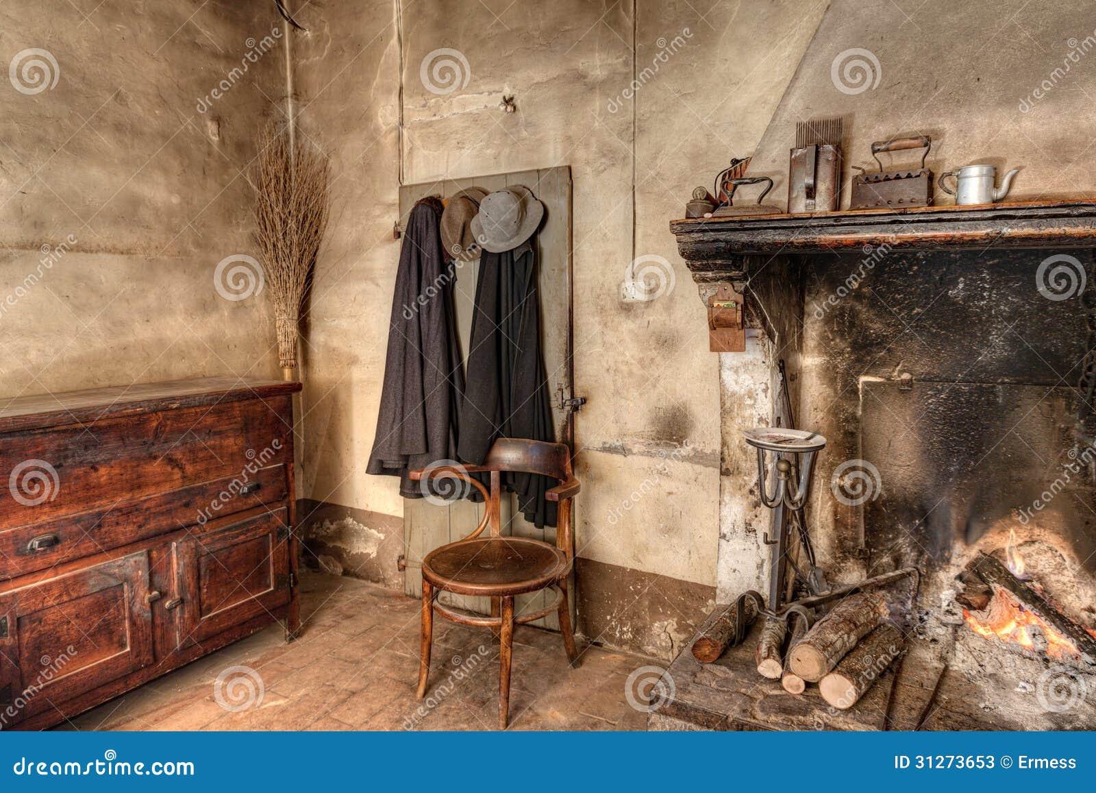 Interno di vecchia casa di campagna fotografie stock for Fotografie di case