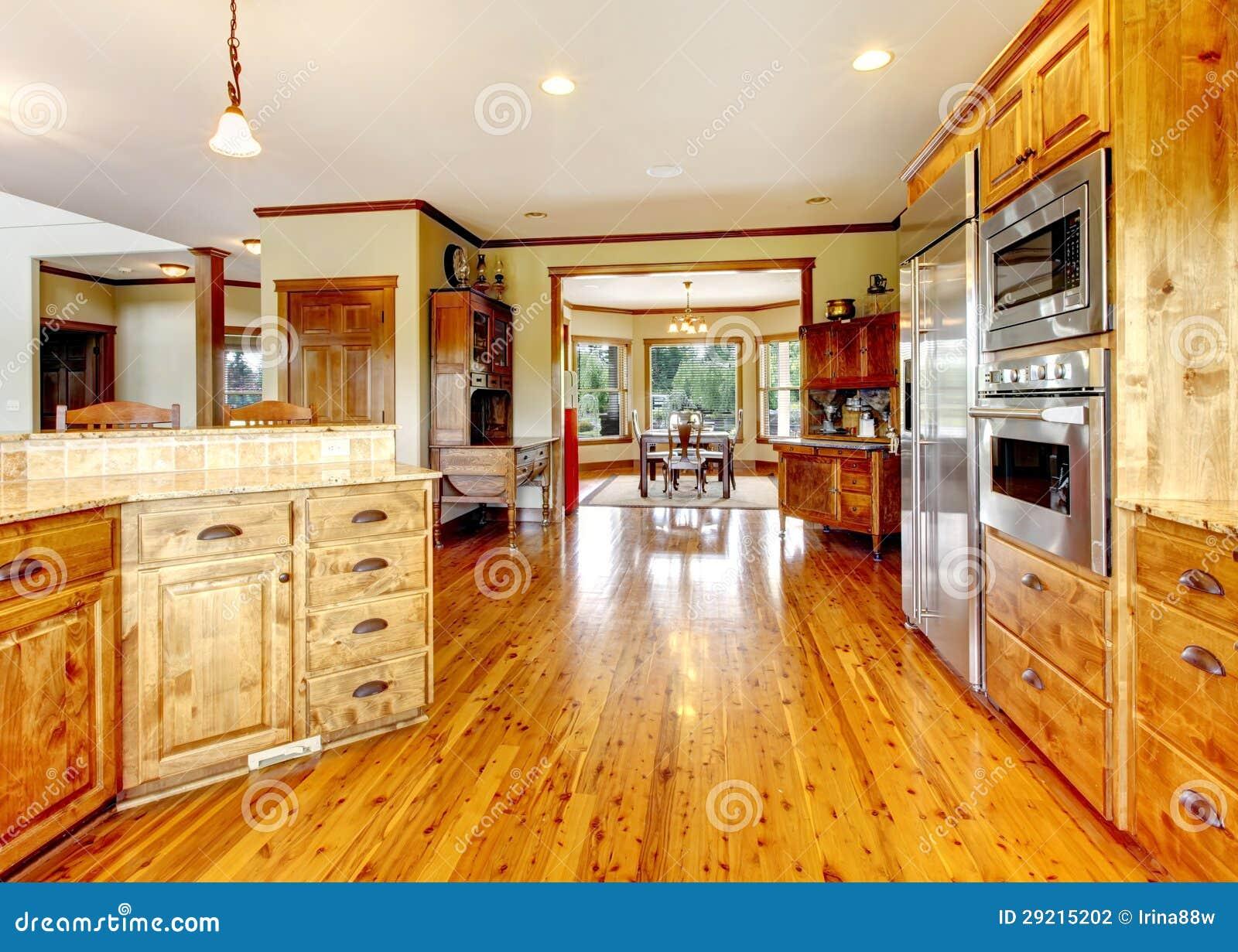 Interno domestico di lusso di legno della cucina nuova - Maison americaine en france ...