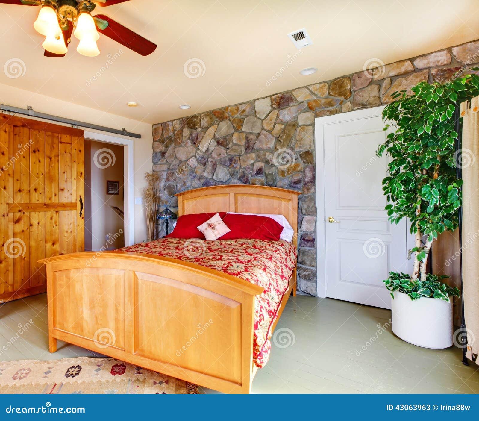 Interno esotico della camera da letto nella casa della for Interno della casa di campagna francese
