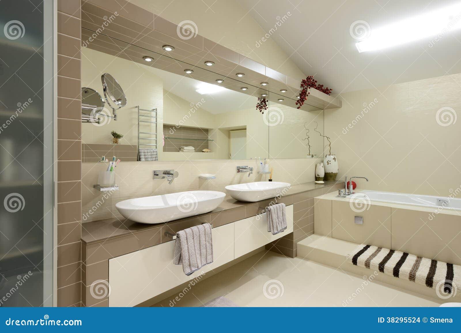 Interno moderno bagno fotografia stock immagine di for Interno moderno