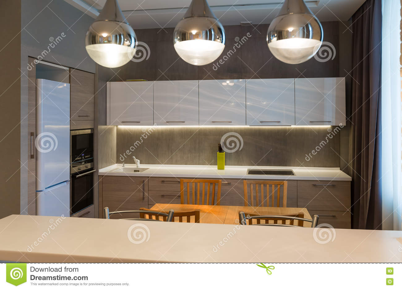 Interni Moderni Case Di Lusso : Interno moderno della cucina nella nuova casa di lusso appartamento