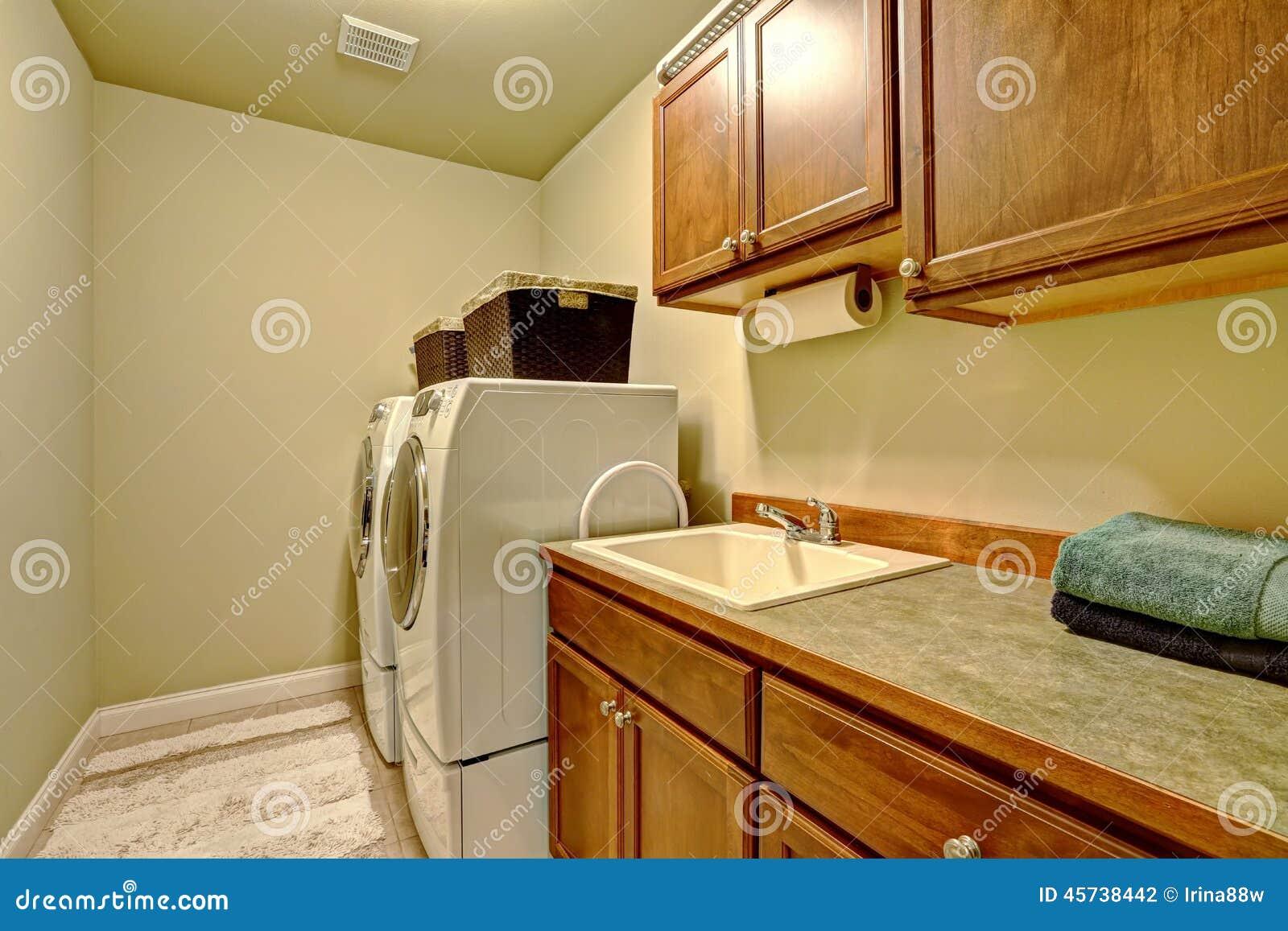 Reforma transforma lavanderia e quartinho em área de lazer casa