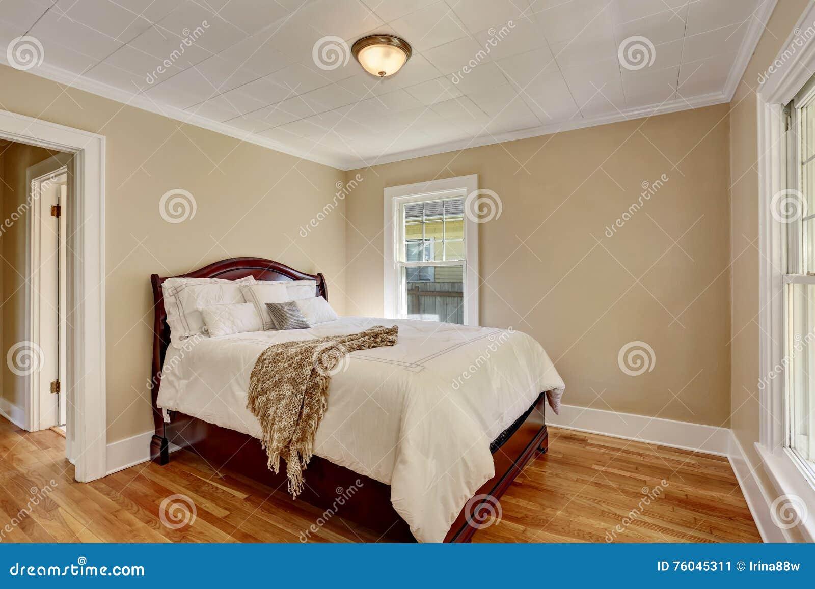 Camera Da Letto Legno Bianco : Idee low cost per rinnovare la tua stanza da letto fotogallery