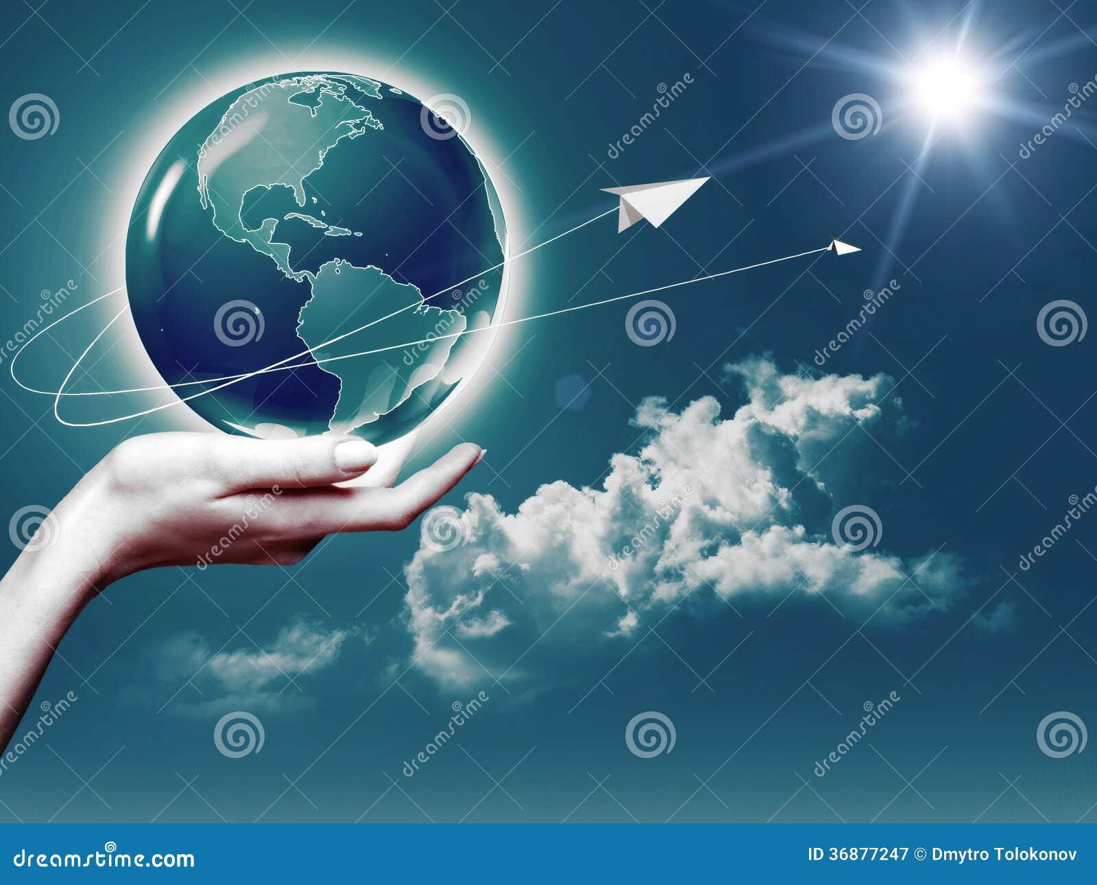 Download Intero mondo in sue mani immagine stock. Immagine di persona - 36877247