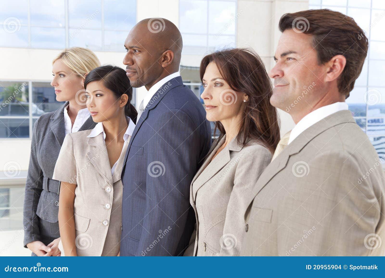 Interracial Commercieel van Mannen & van Vrouwen Team