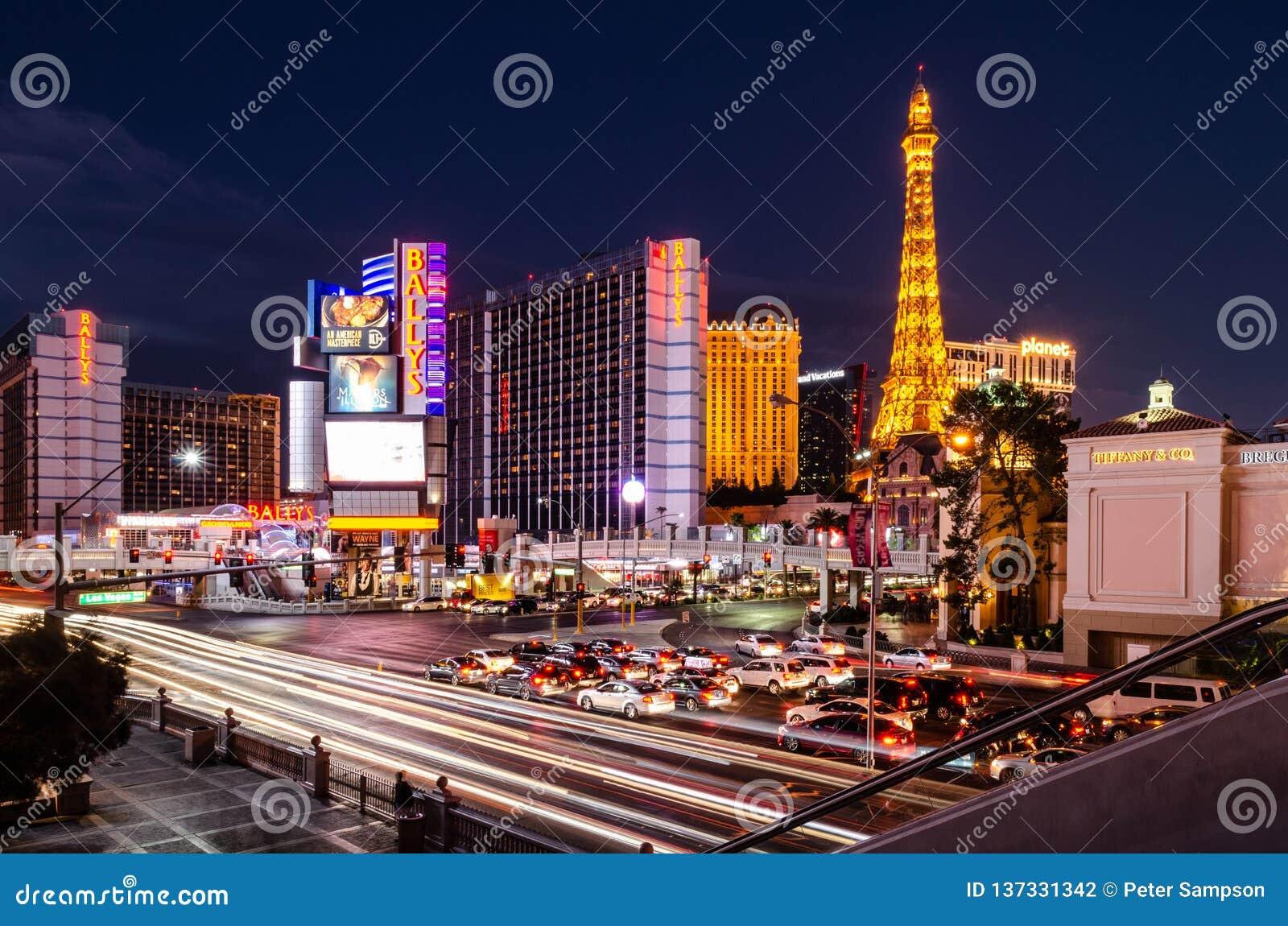 Interseção da tira de Las Vegas & da estrada do leste do flamingo