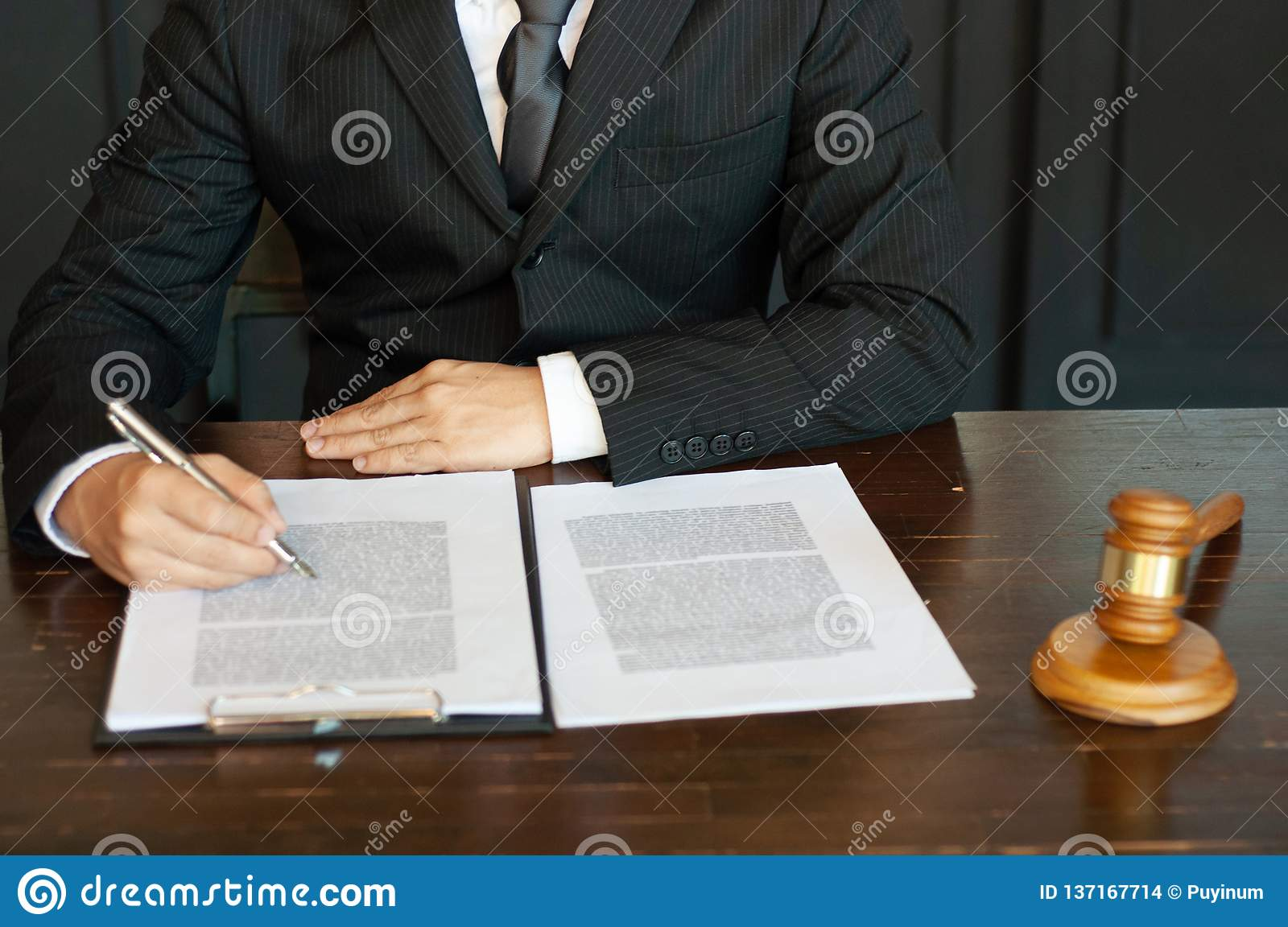 Intoduction d Investment Business d avocat