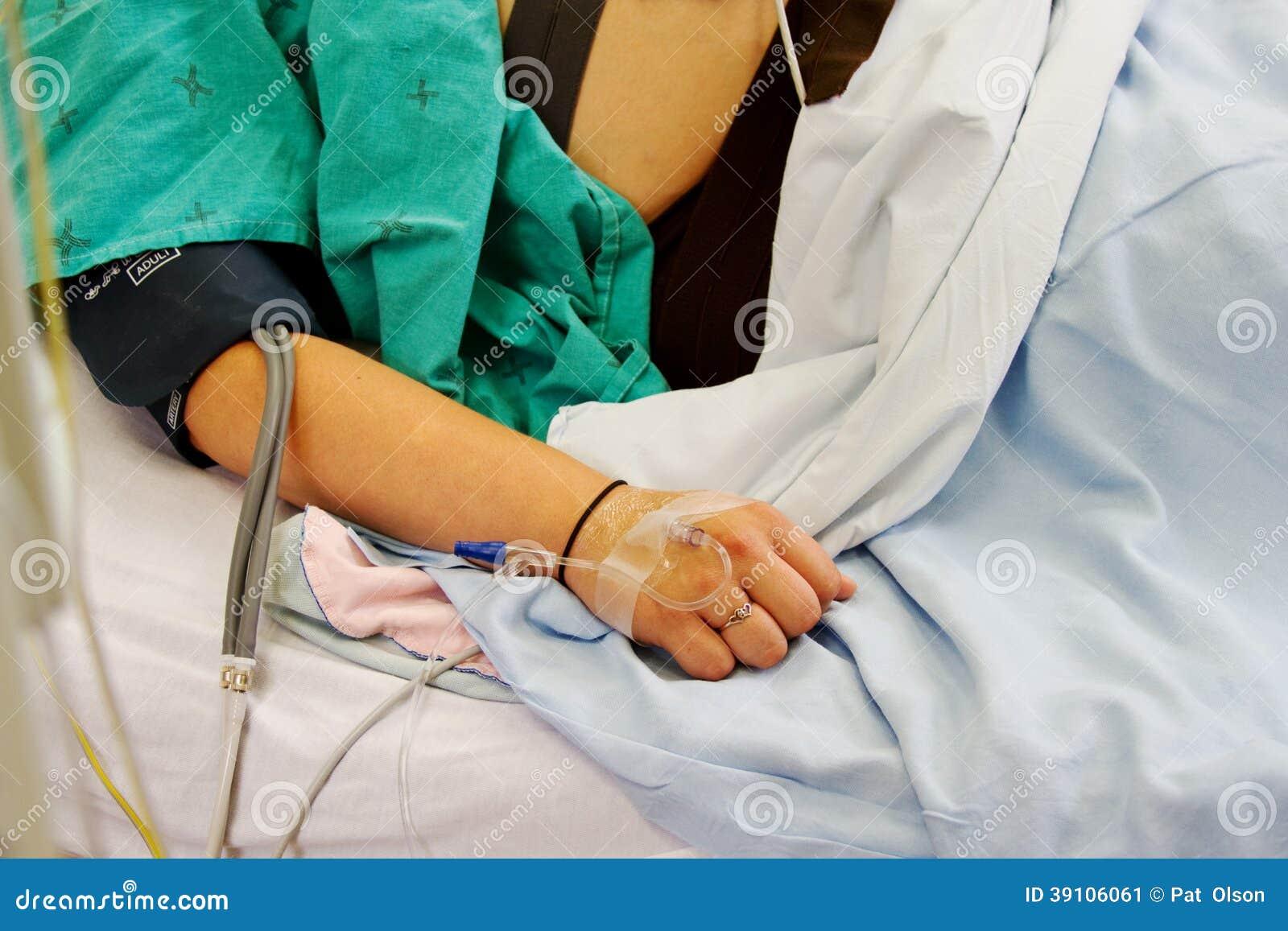 Intraveneus ter beschikking van moederschapspatiënt
