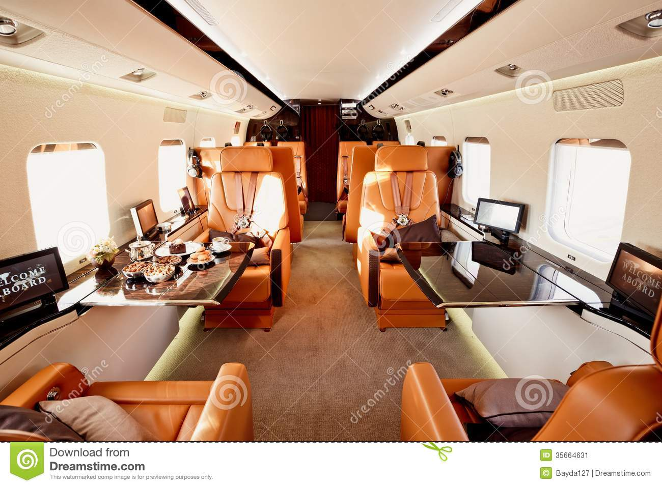 Int rieur d 39 avion priv image stock image 35664631 for Interieur avion