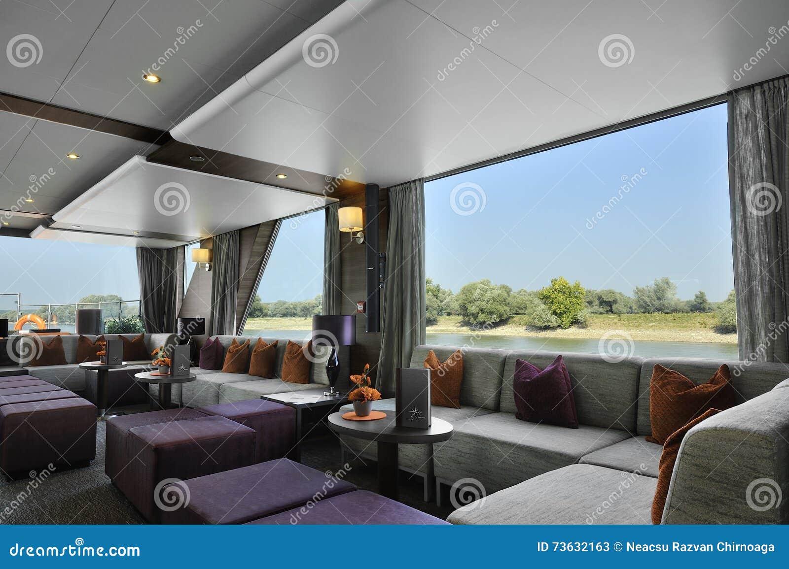 intrieur d un salon de barre sur un bateau de croisire de luxe - Un Salon De Luxe