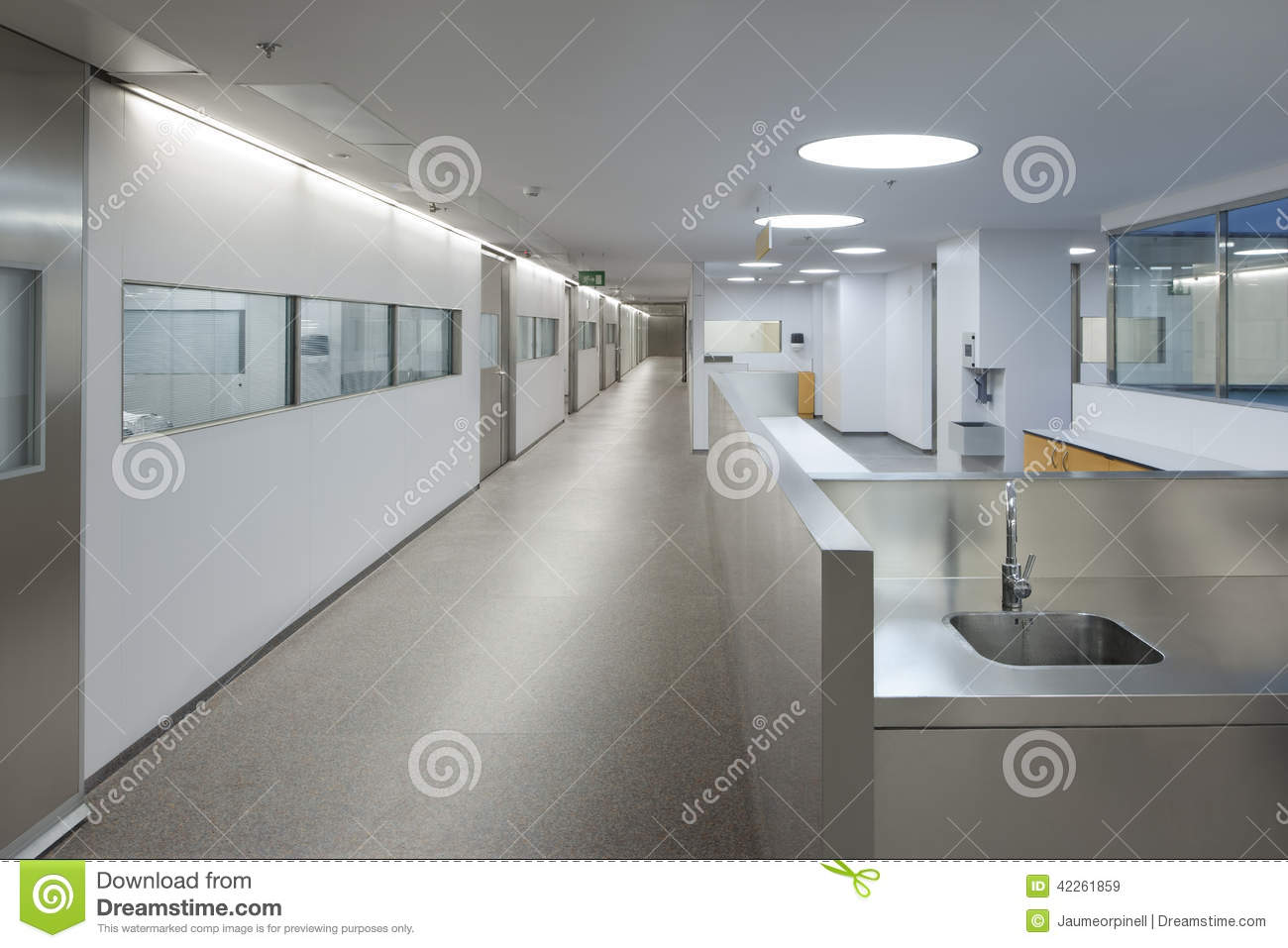 Int rieur d 39 une urgence d 39 h pital photo stock image for Interieur hopital
