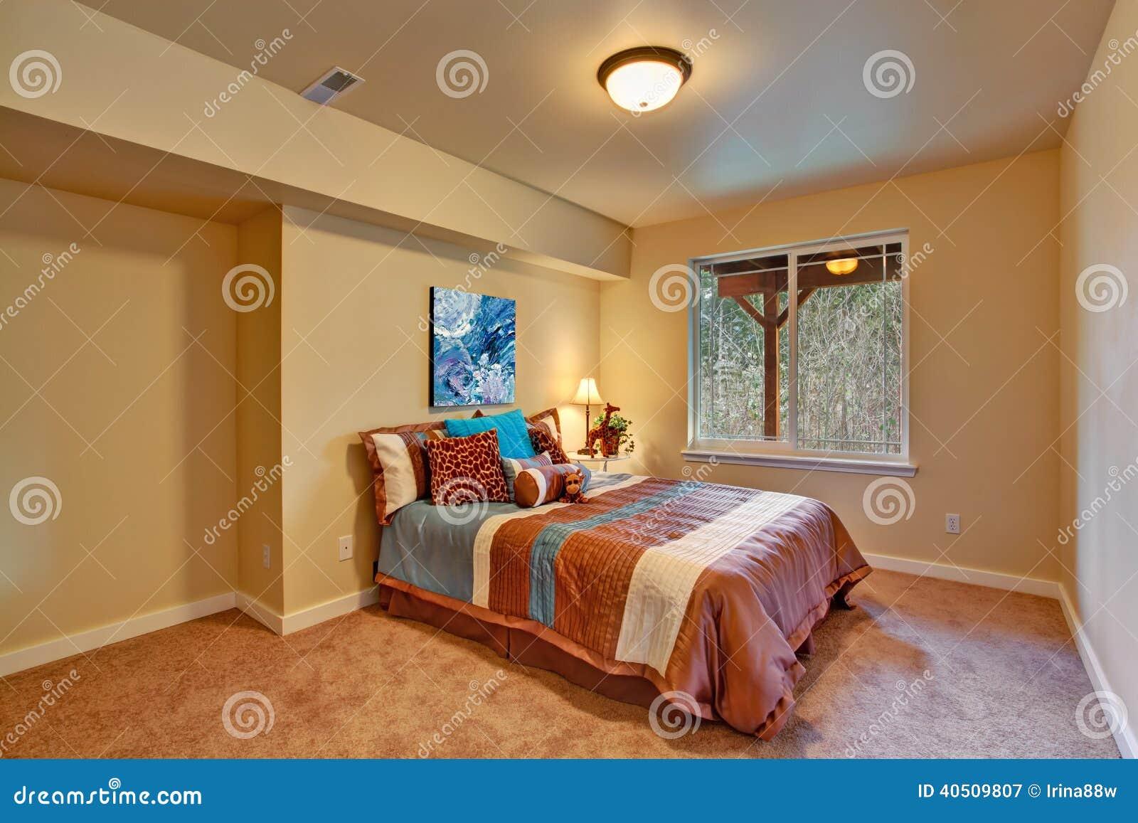 Int rieur de chambre coucher accompli dans le th me africain photo stock image 40509807 for Chambre decoree