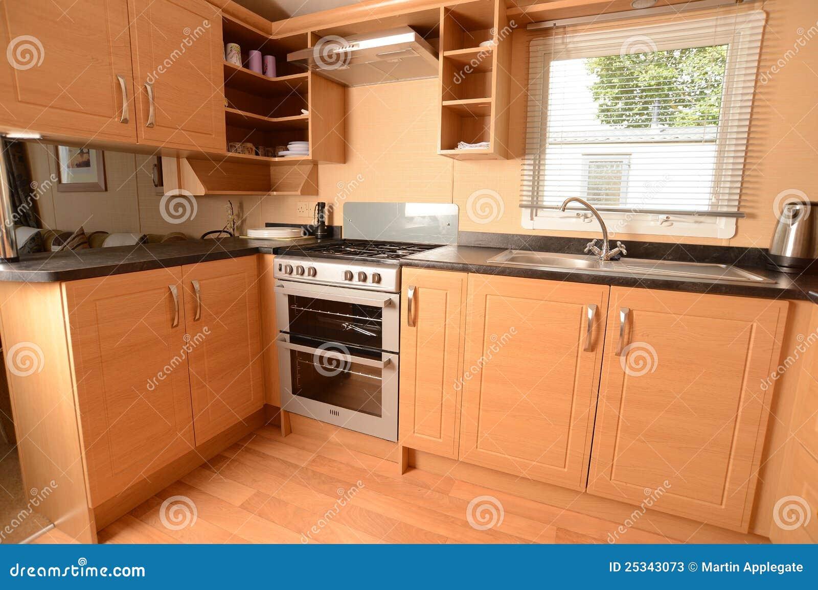 Int rieur de cuisine moderne photos stock image 25343073 - Meuble de cuisine en bois ...