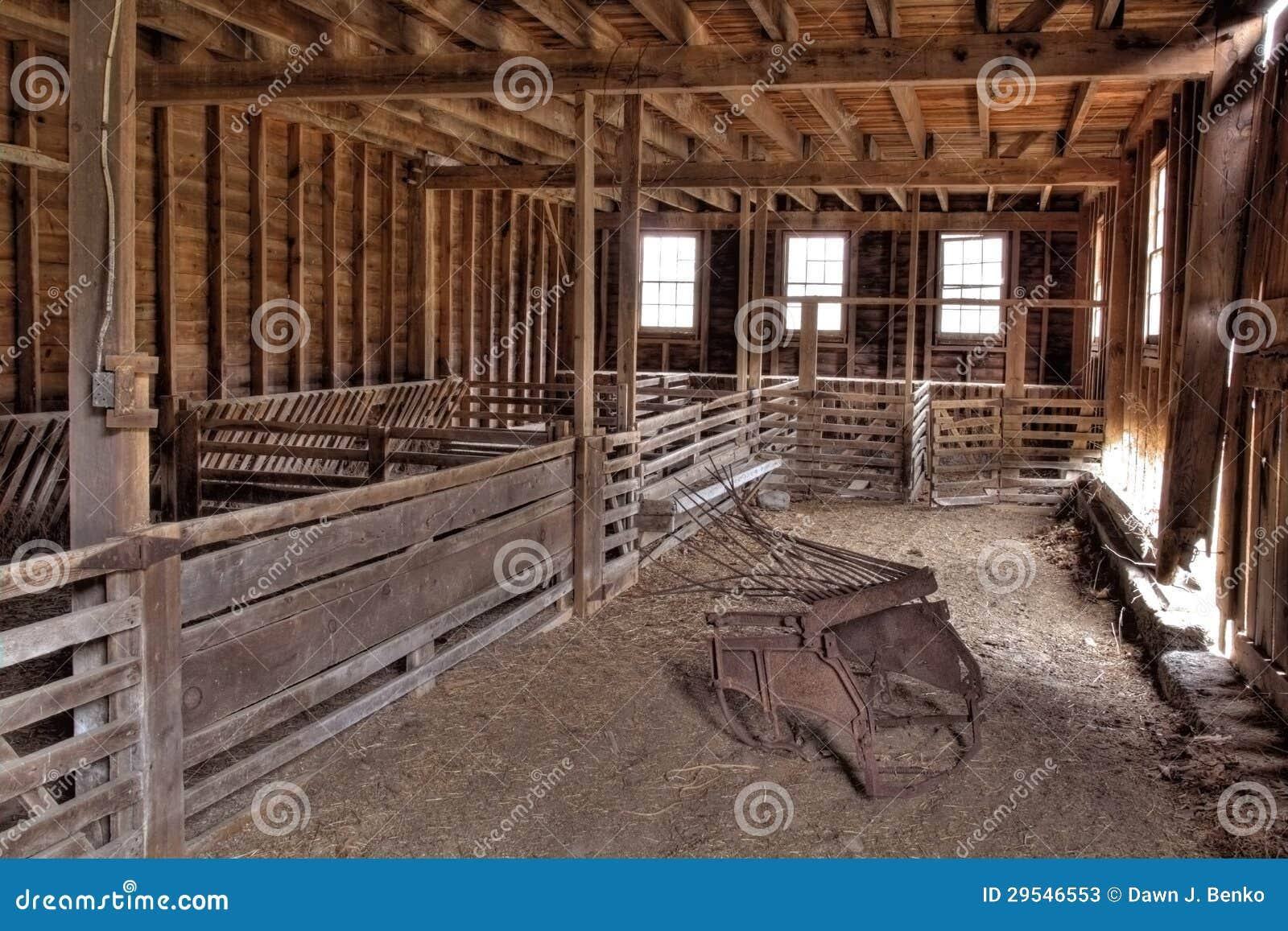 int rieur de grange abandonn e photos stock image 29546553. Black Bedroom Furniture Sets. Home Design Ideas