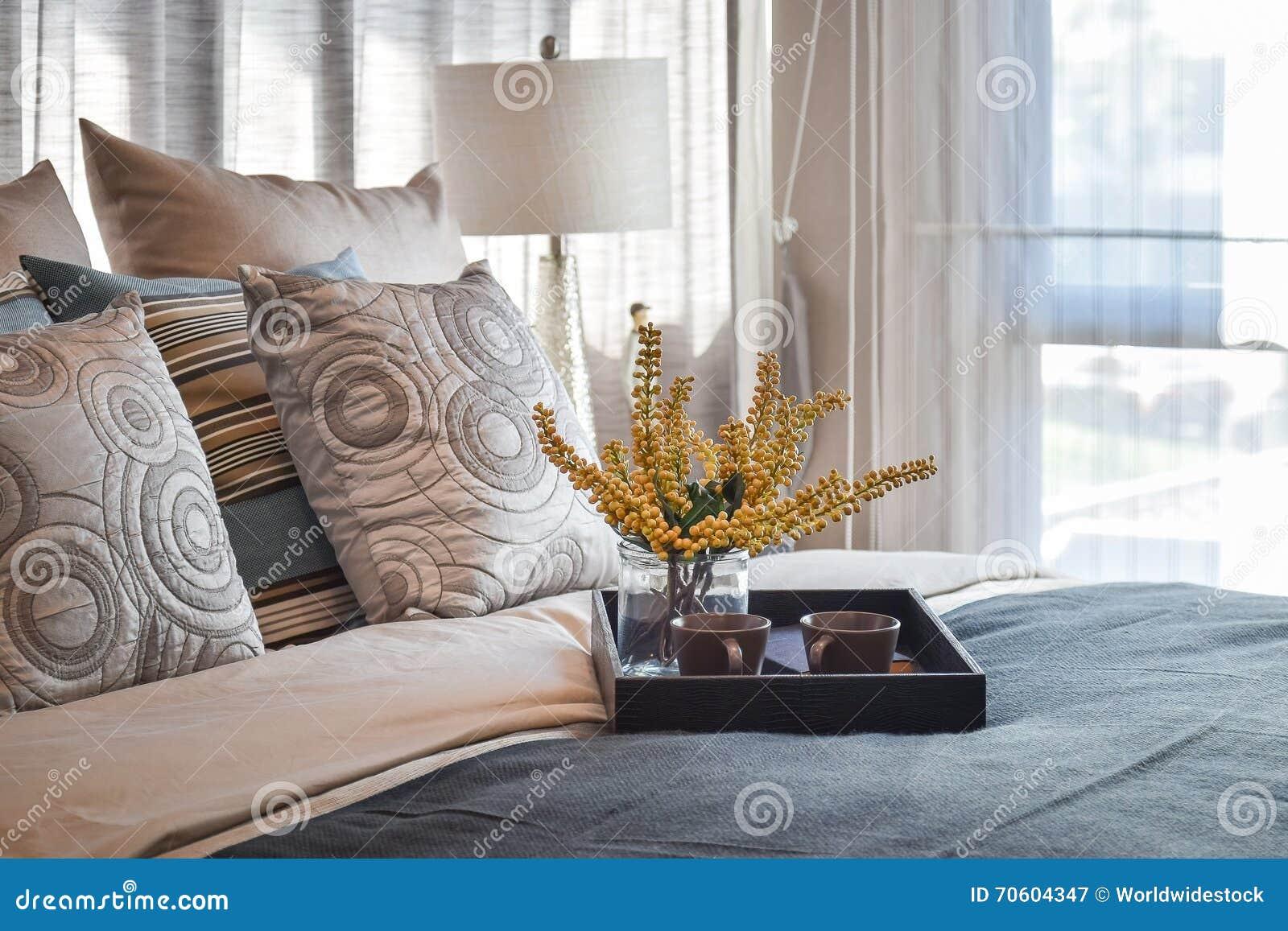Int rieur de luxe de chambre coucher avec le service for Chambre de service