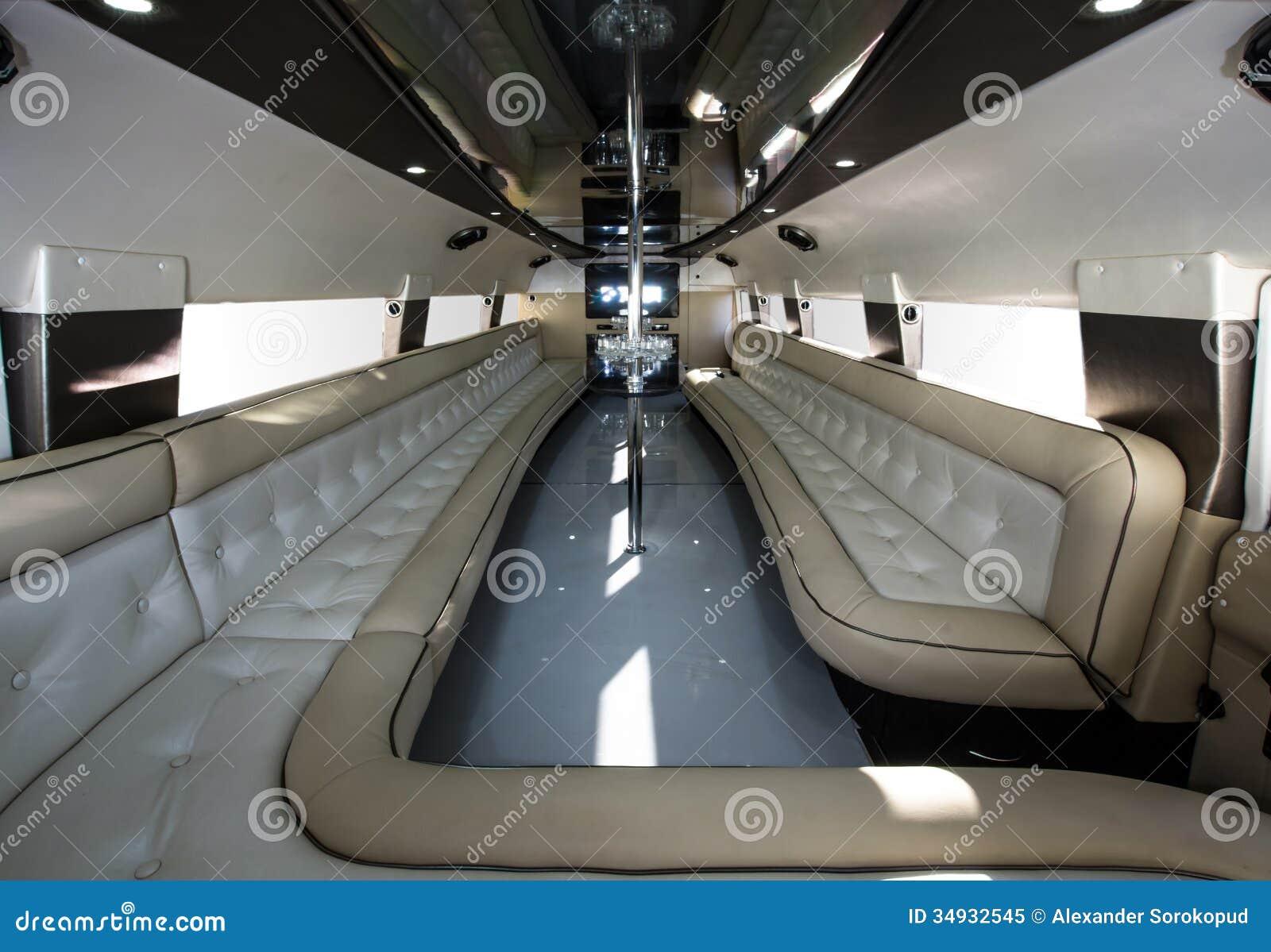 Int rieur de luxe de voiture de partie photo libre de for Interieur voiture de luxe