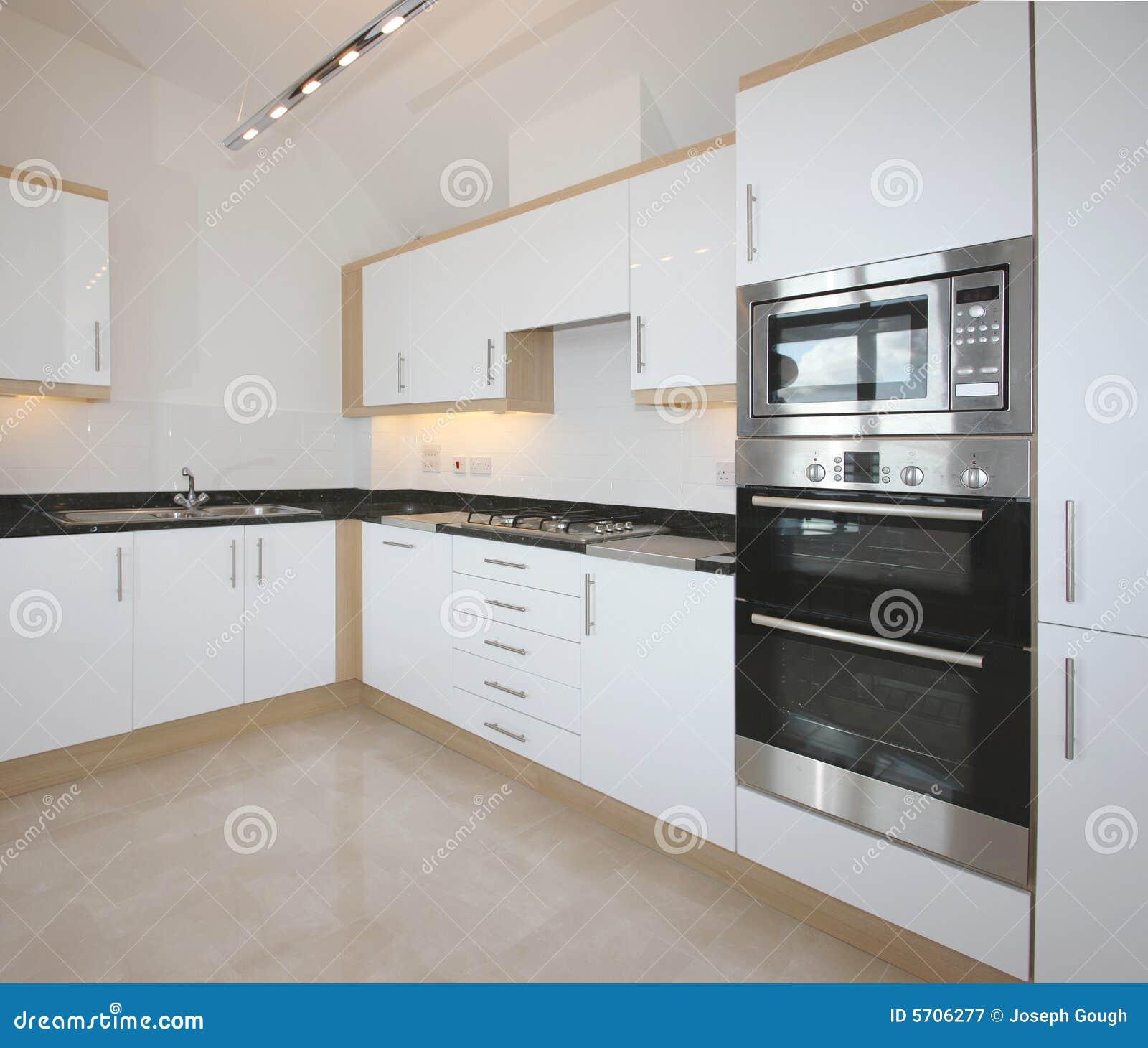 Intérieur de luxe moderne de cuisine photographie stock libre de ...