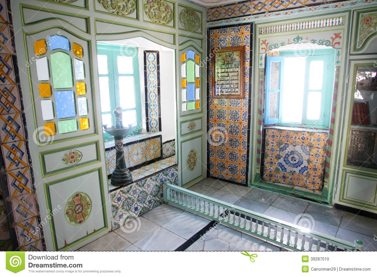 Int rieur de maison de sidi bou said photo stock image for Acheter maison tunisie