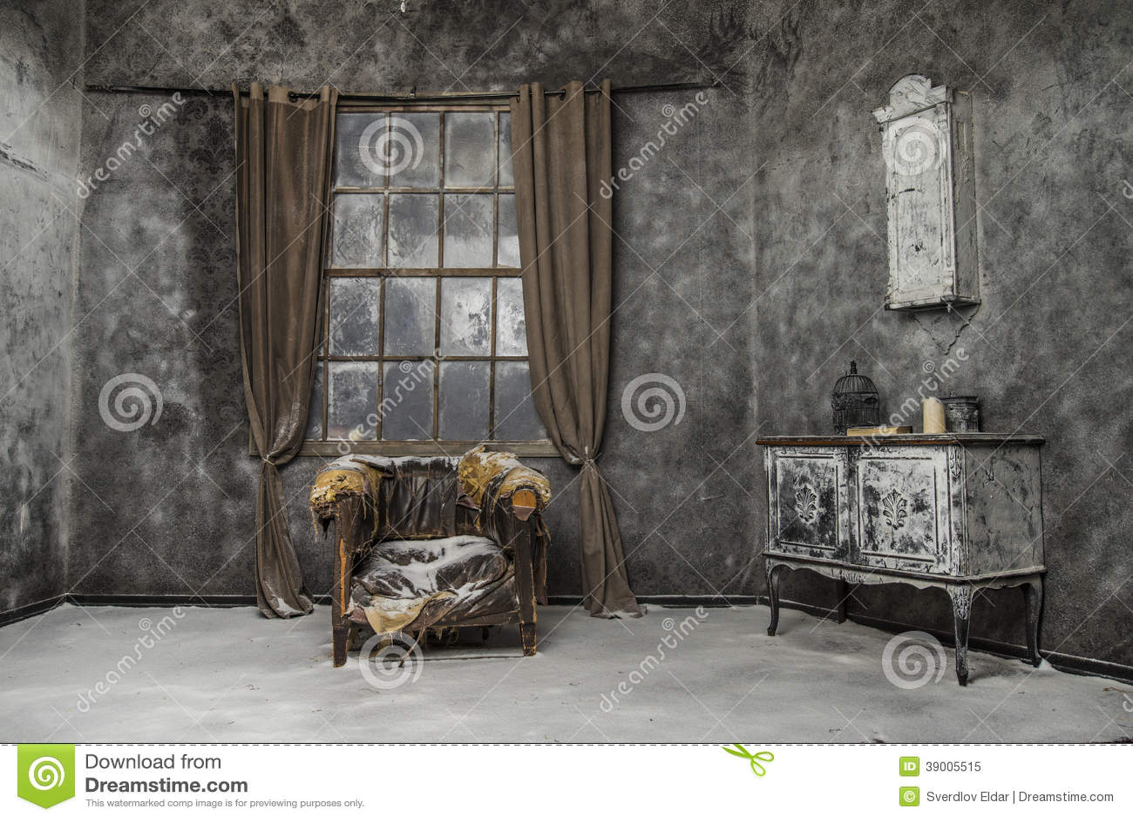 int rieur de vieille maison abandonn e photo stock image 39005515. Black Bedroom Furniture Sets. Home Design Ideas