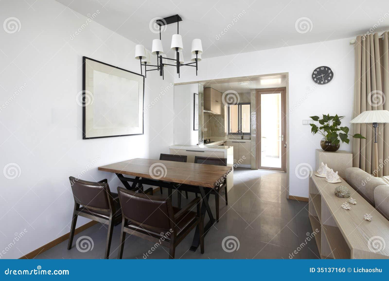 int rieur la maison propre et l gant photo stock image 35137160. Black Bedroom Furniture Sets. Home Design Ideas