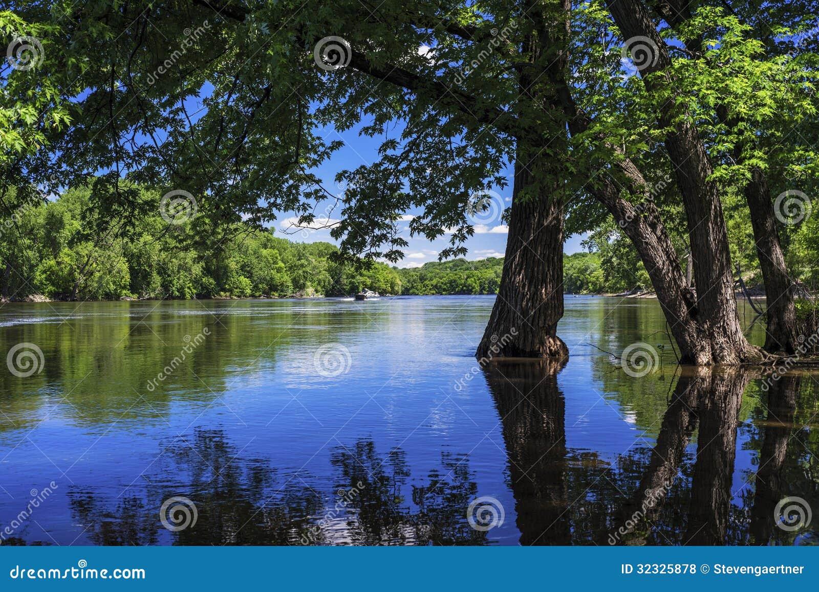 Inundación de la primavera, río Misisipi