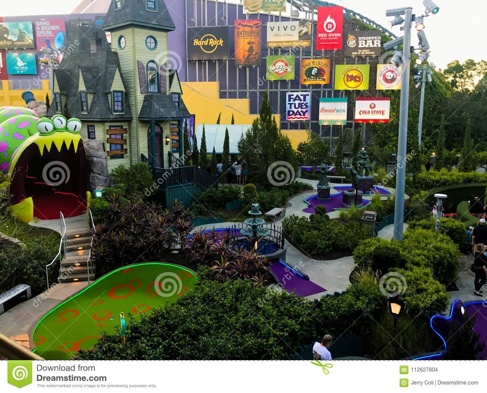 Pet Friendly Hotels Near Universal Studios