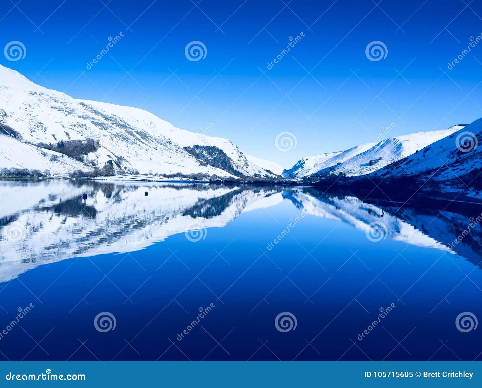 Inverno da serenidade e da tranquilidade em Gales