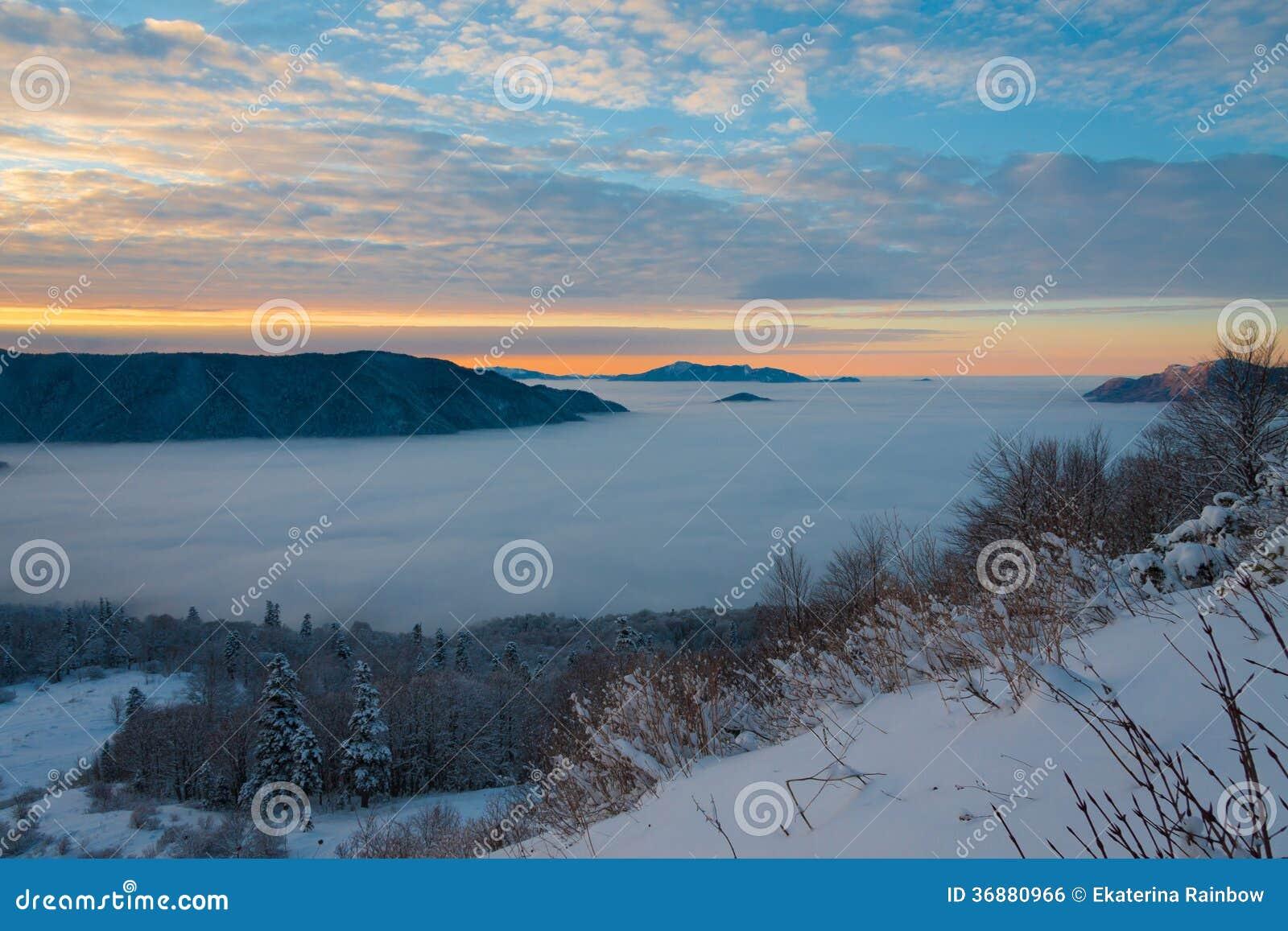 Download Inverno Di Tramonto Della Montagna Fotografia Stock - Immagine di impressioni, bello: 36880966