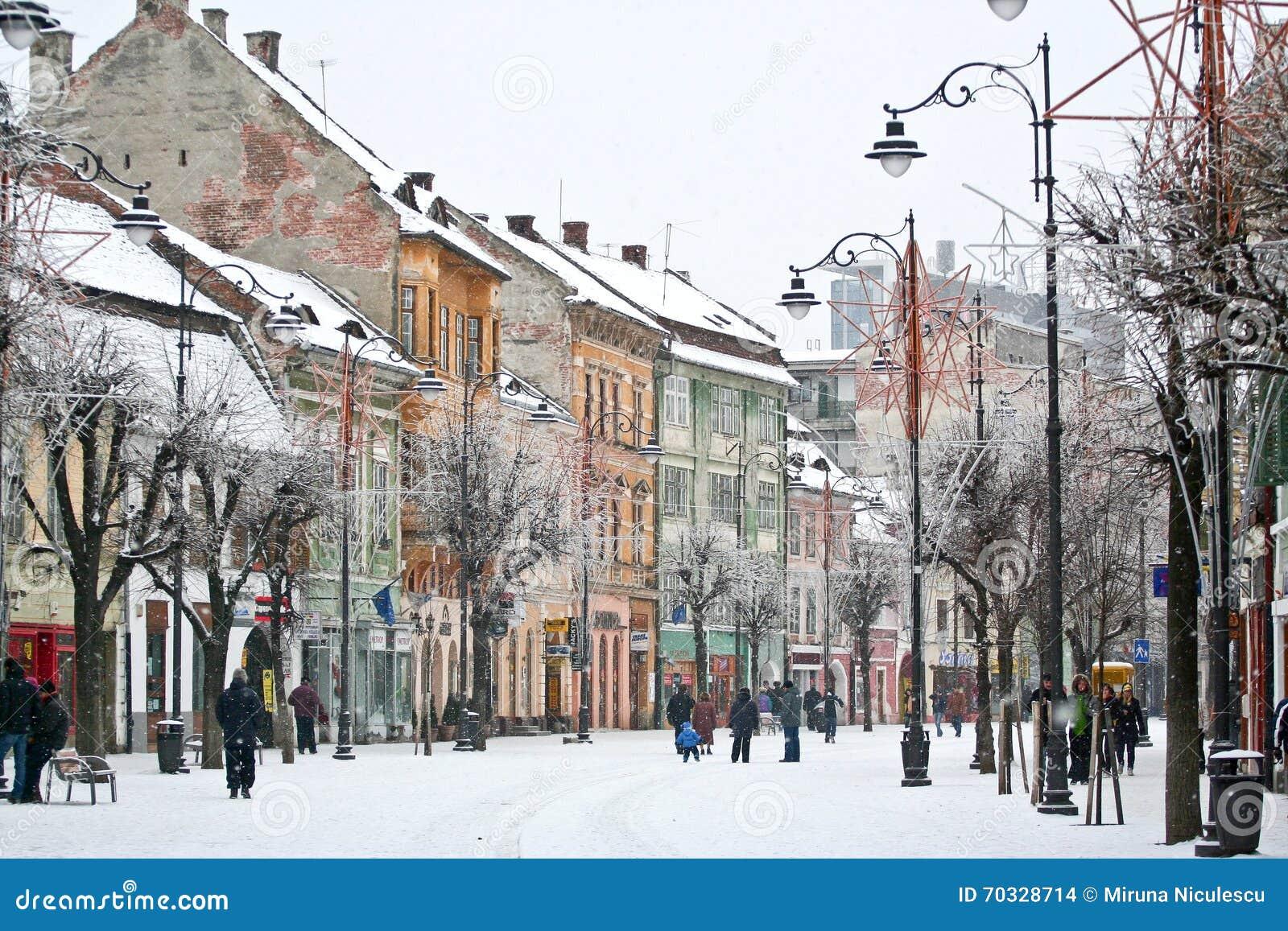 Invierno en la ciudad vieja Sibiu, Rumania