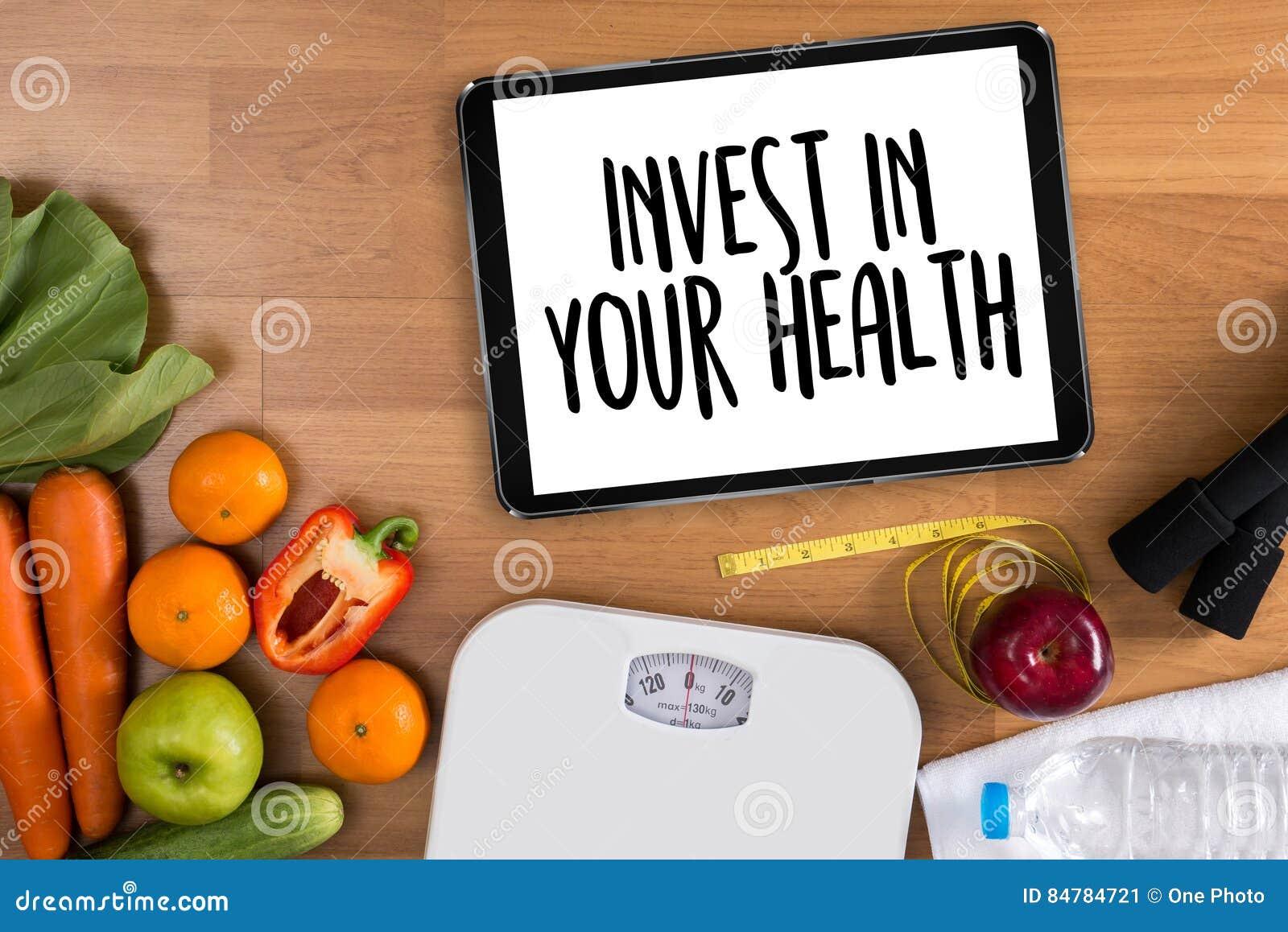Invierta en su salud, concepto sano de la forma de vida con dieta y