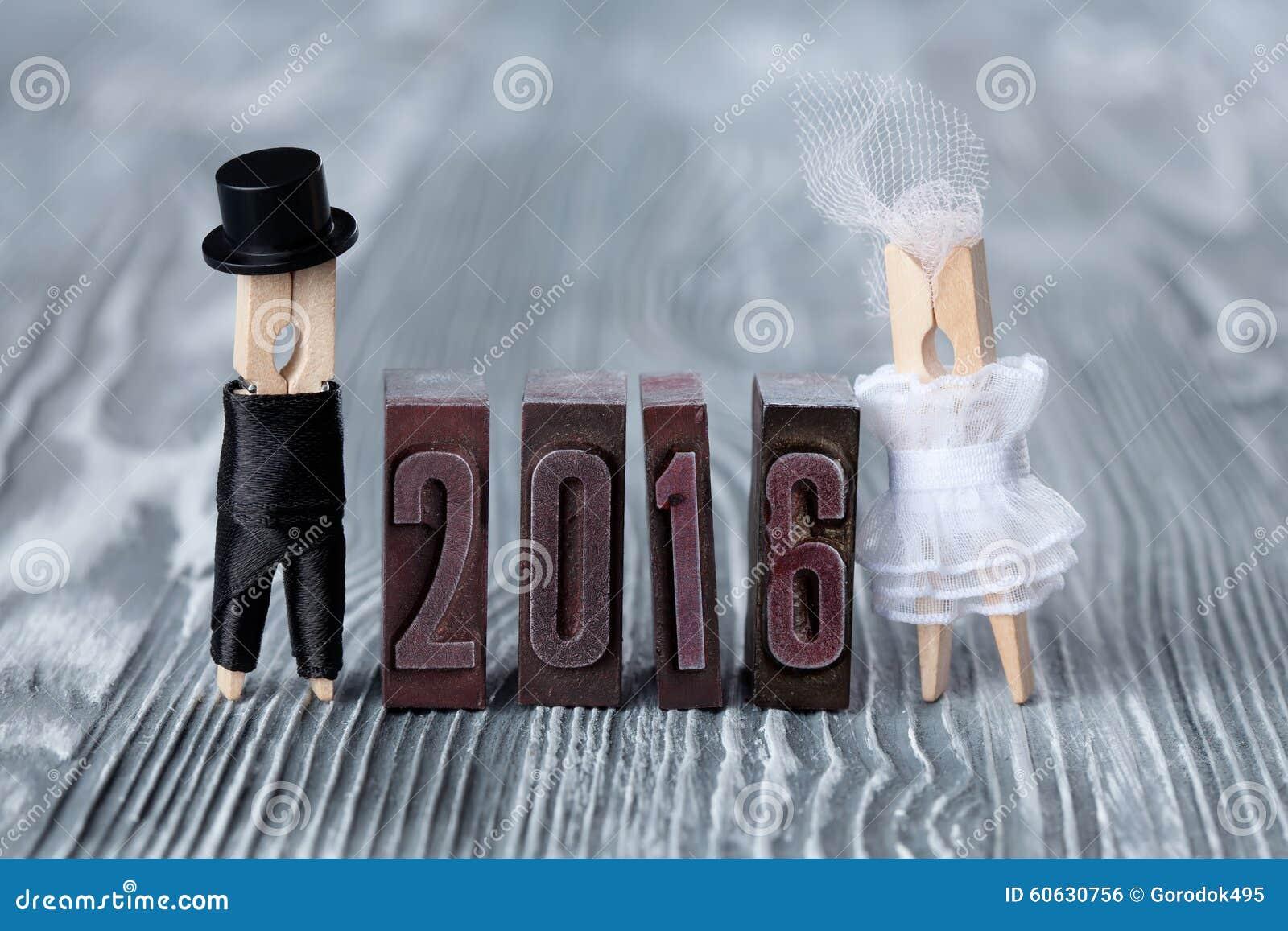 49c146dd4 Invitación De La Boda 2016 Años Novio En Traje Y Novia Negros En El ...