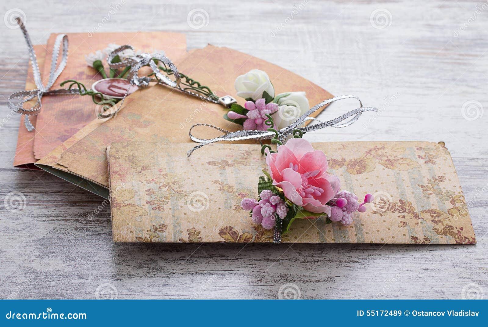 hechas a mano de la boda hechas del papel