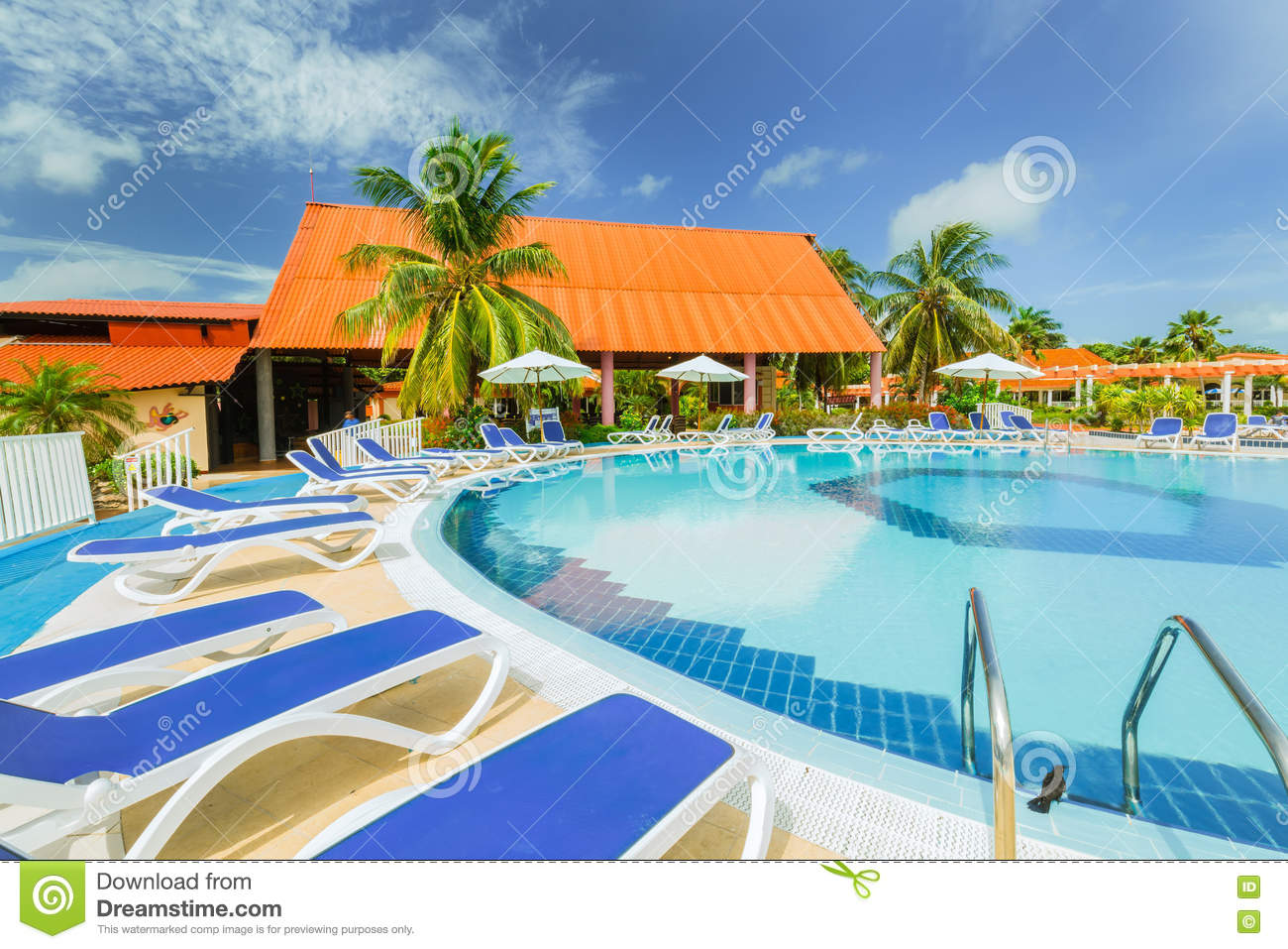 Inviting gorgeous stunning view of hotel grounds with for Comfy hotels resorts