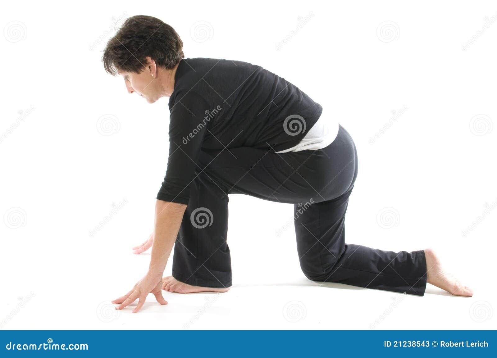 Ioga Anjaneyasana Kneeli da mulher