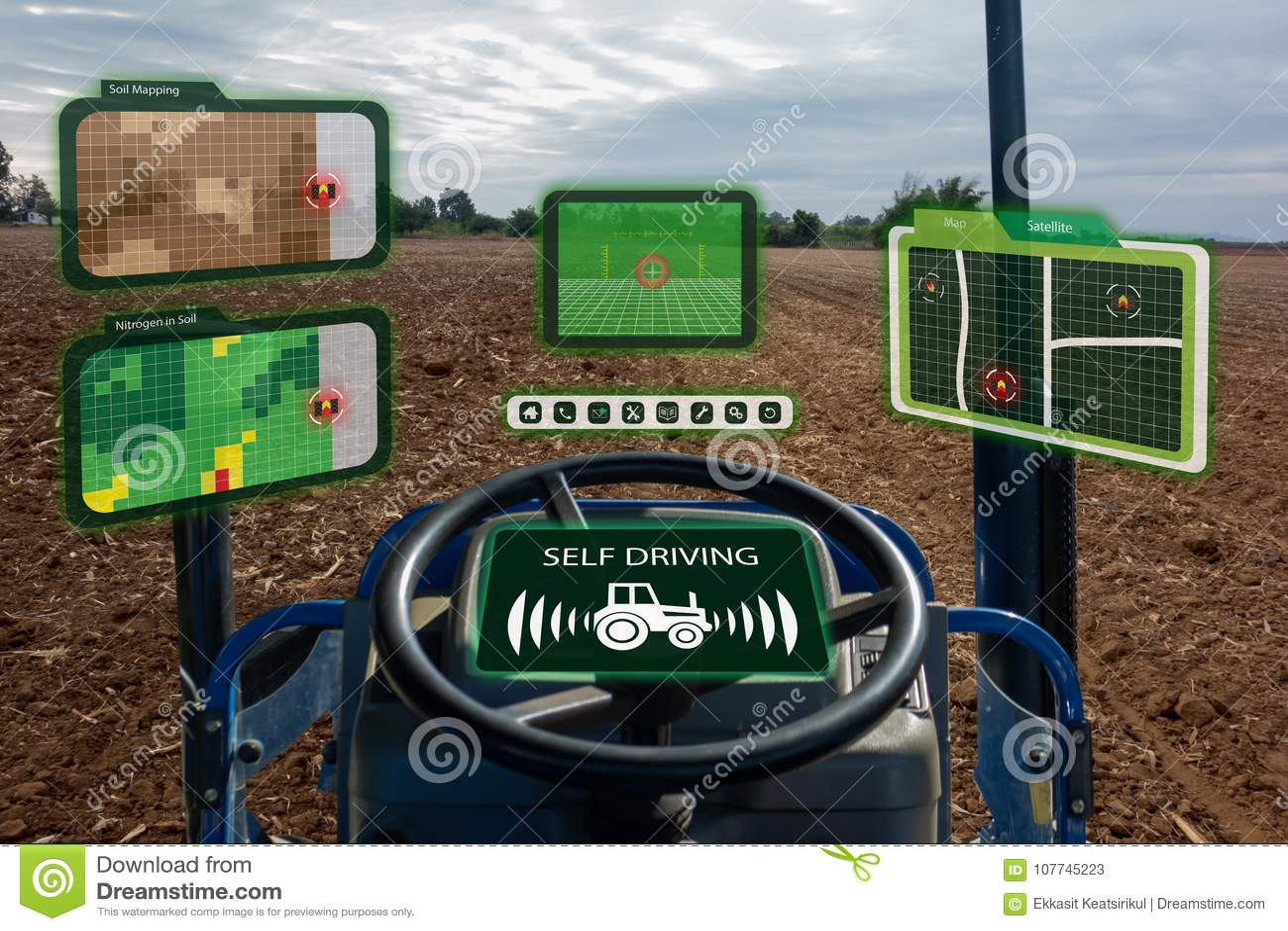 Iot przemysłu mądrze robot 4 (0) rolnictw pojęć, przemysłowy agronom, rolnik używa autonomicznego ciągnika z jaźni napędowym tech