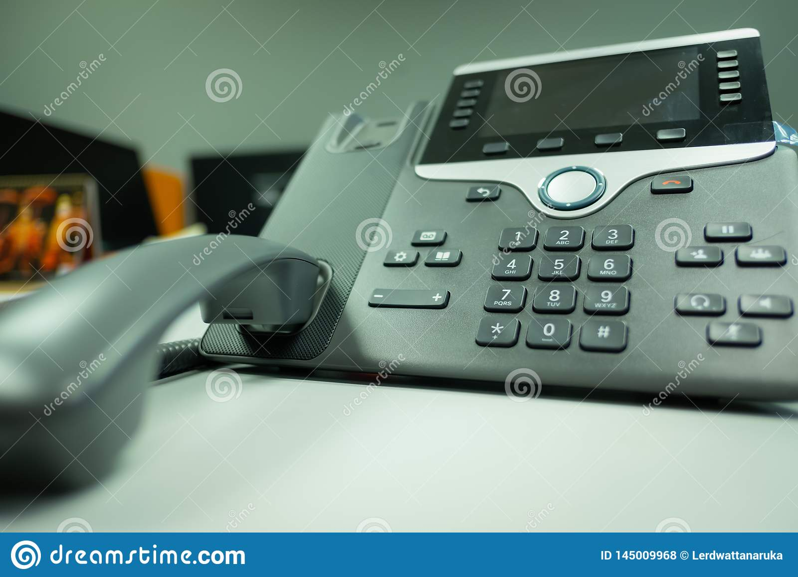 Ip van het close-uptoetsenbord telefoondeveice op bureau