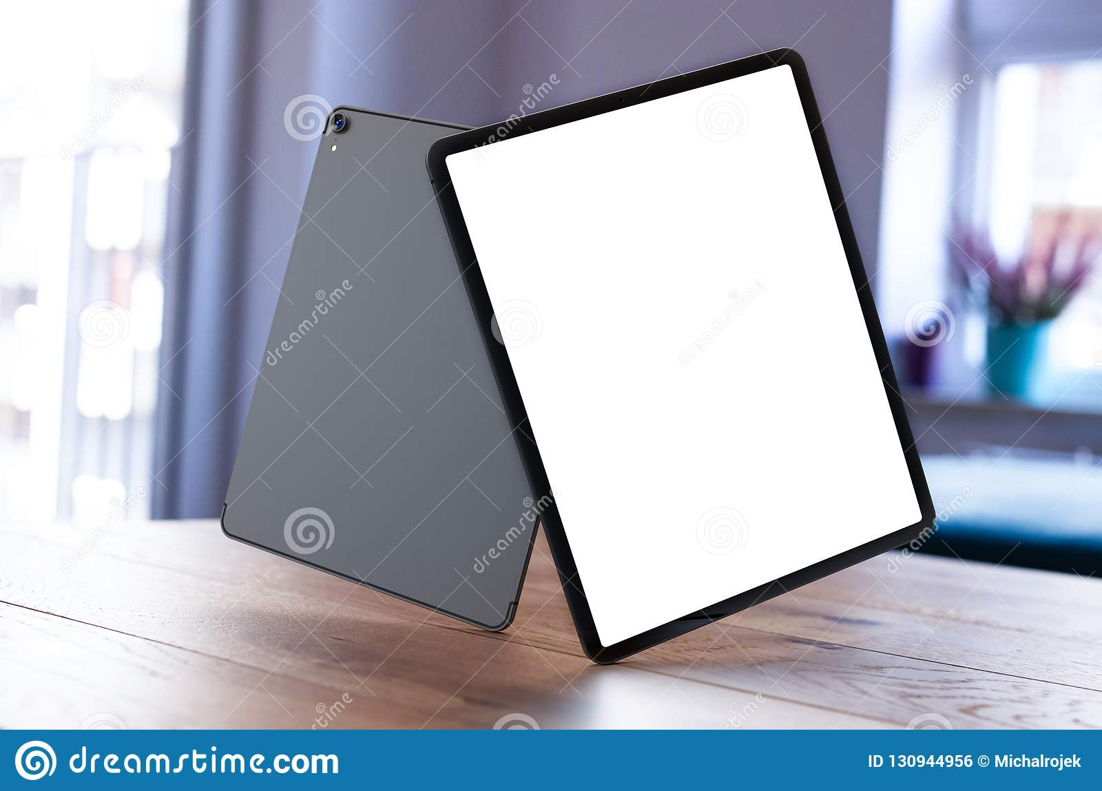IPad Pro 2018 with blank screen