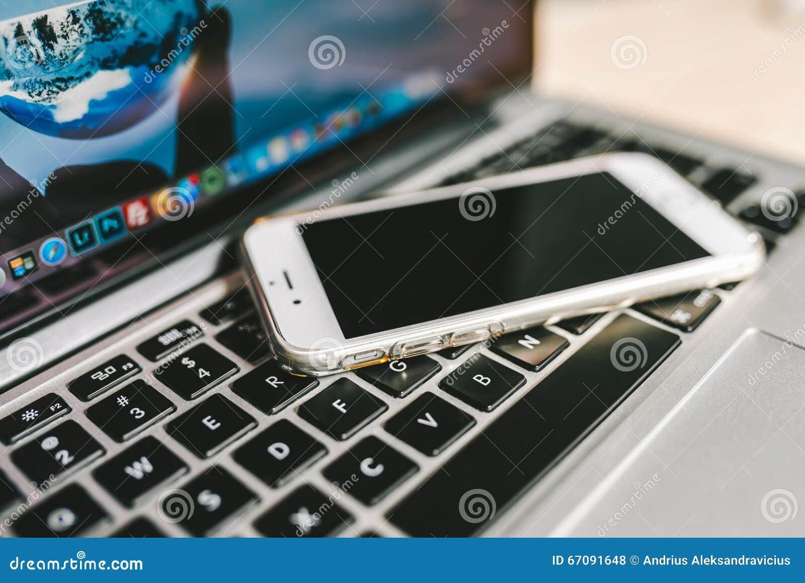 IPhone установило на клавиатуре