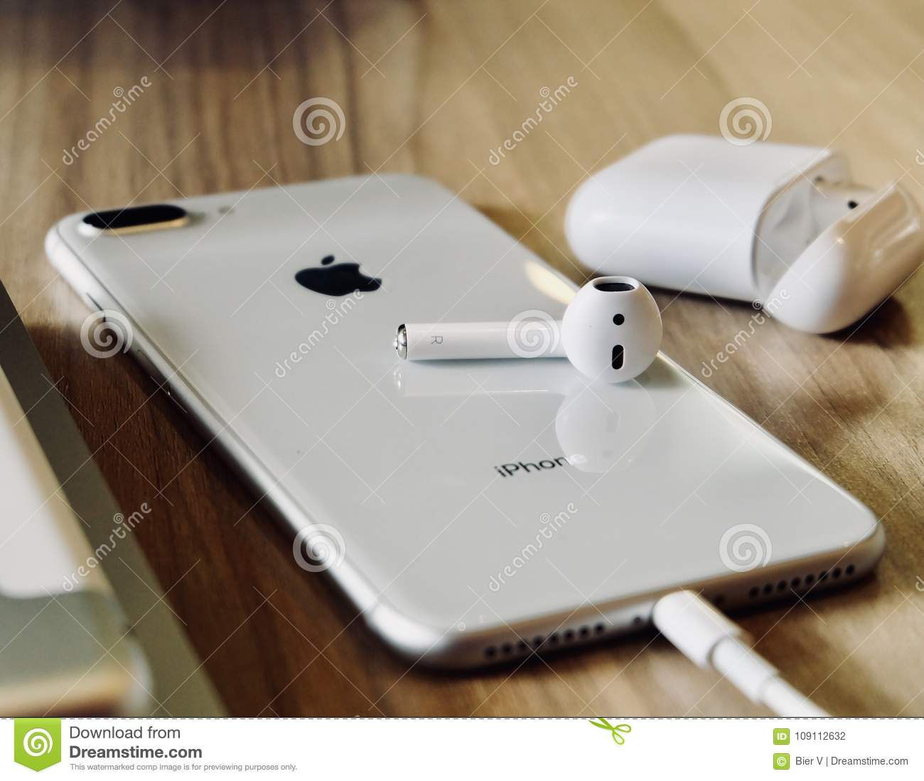 new styles 04fcf e7bee IPhone 8 Plus Airpods editorial photography. Image of plus - 109112632