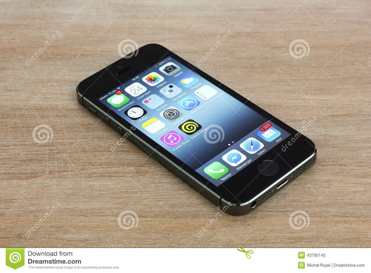 Iphone 5s Lying On A Table Editorial Image Image Of Communication