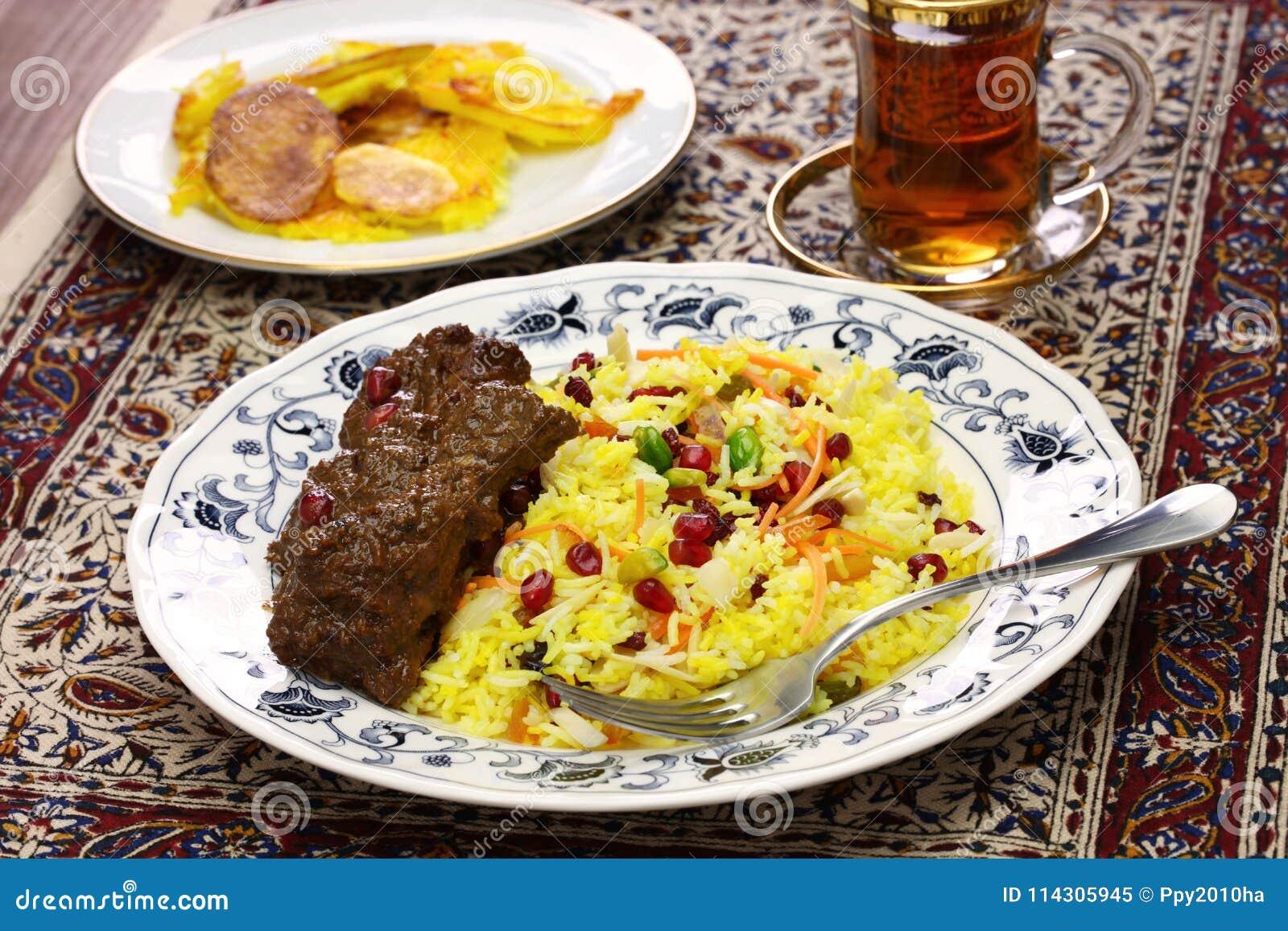 Great Iranische Küche, Perser Jeweled Den Reis Und Huhn, Die, Kartoffel Tahdig  Fesenjan Sind