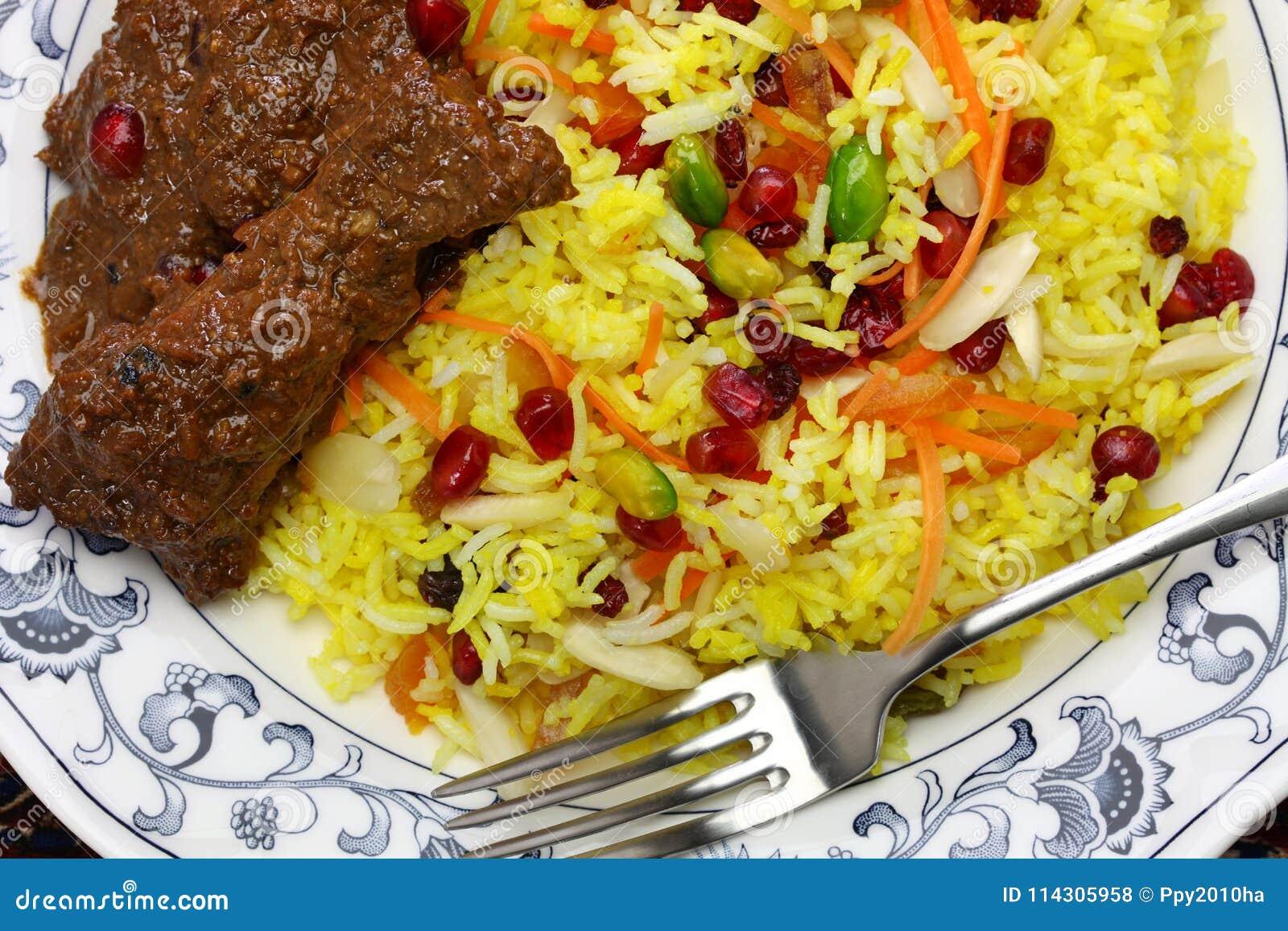 Iranische Küche, Perser Jeweled Den Reis Und Huhn, Die Fesenjan Sind