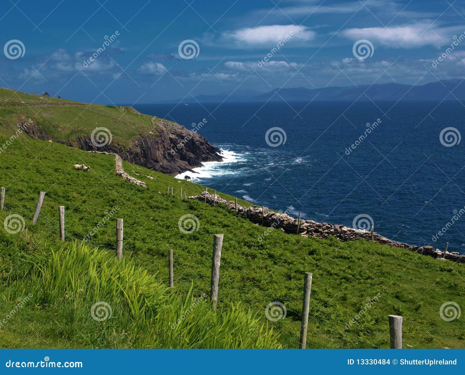 Ireland krajobrazowego seacape wibrujący zachód