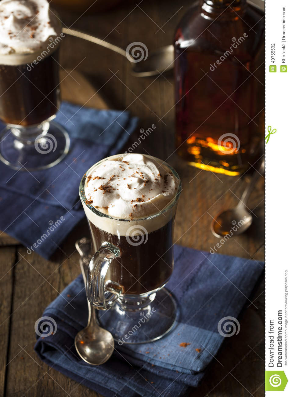 Irish coffee casalingo con whiskey