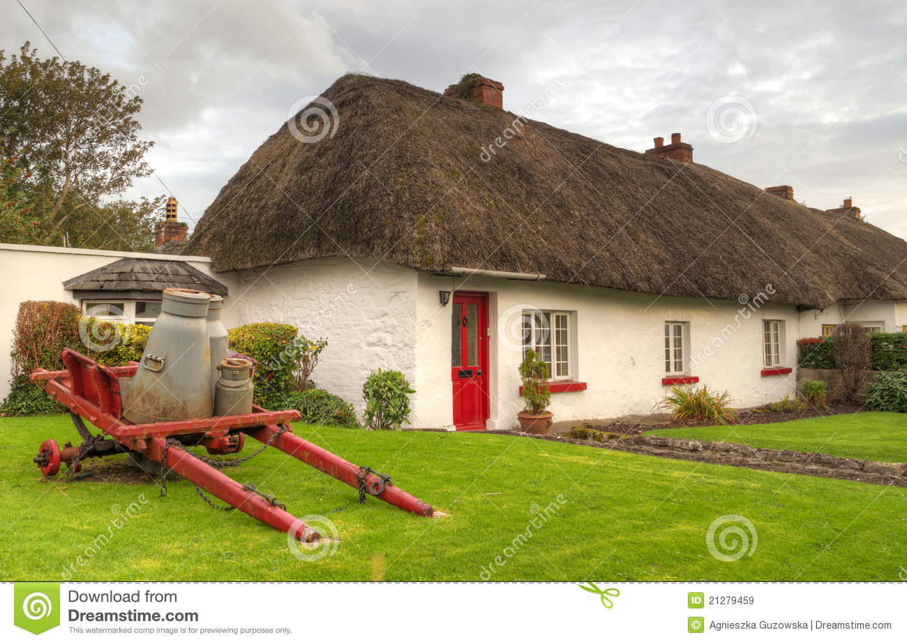 Irish traditional cottage house of adare royalty free for Traditional irish cottage designs