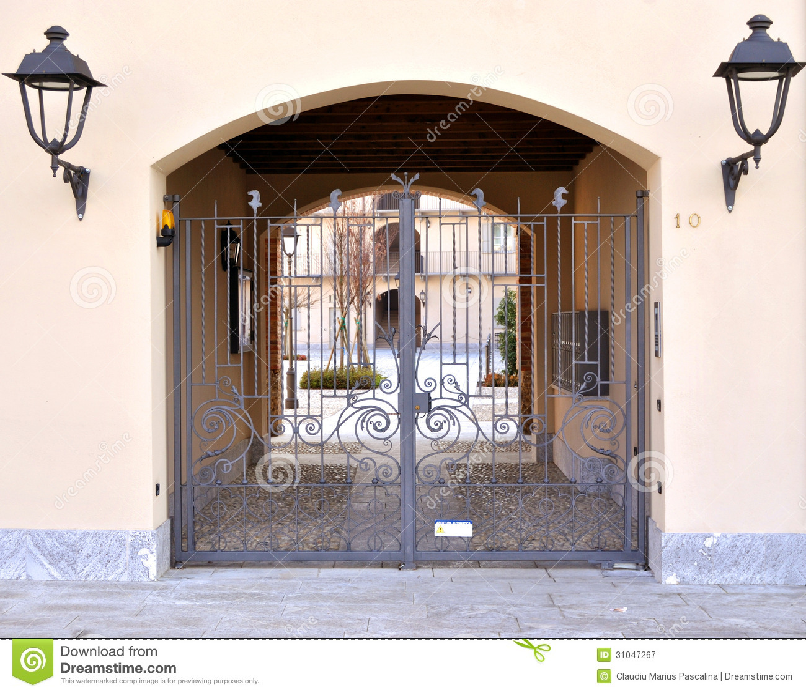 Iron Gate House Entrance Royalty Free Stock Photography